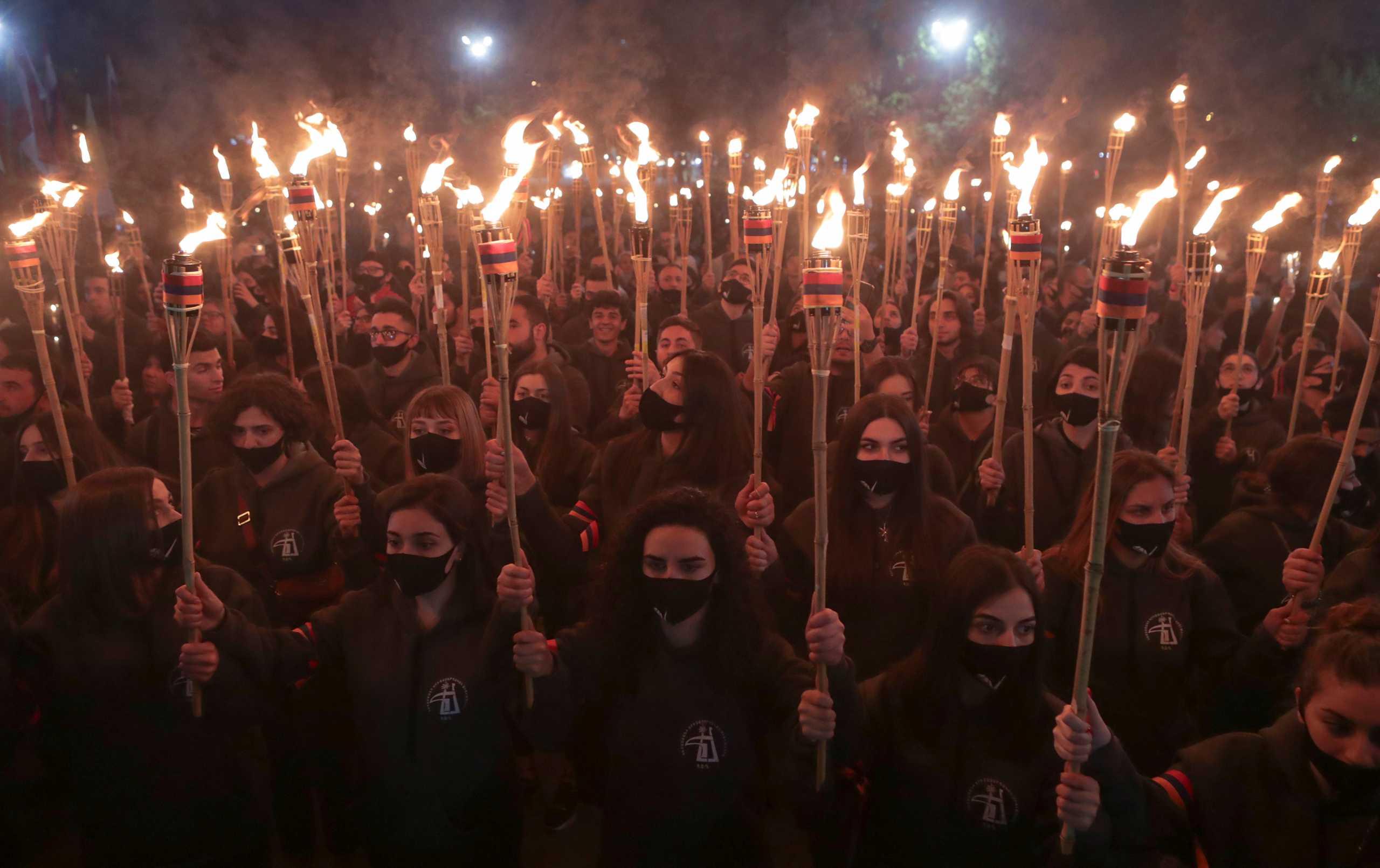 Αρμενία: Σχεδόν 10.000 άνθρωποι στην πορεία για τα θύματα της γενοκτονίας