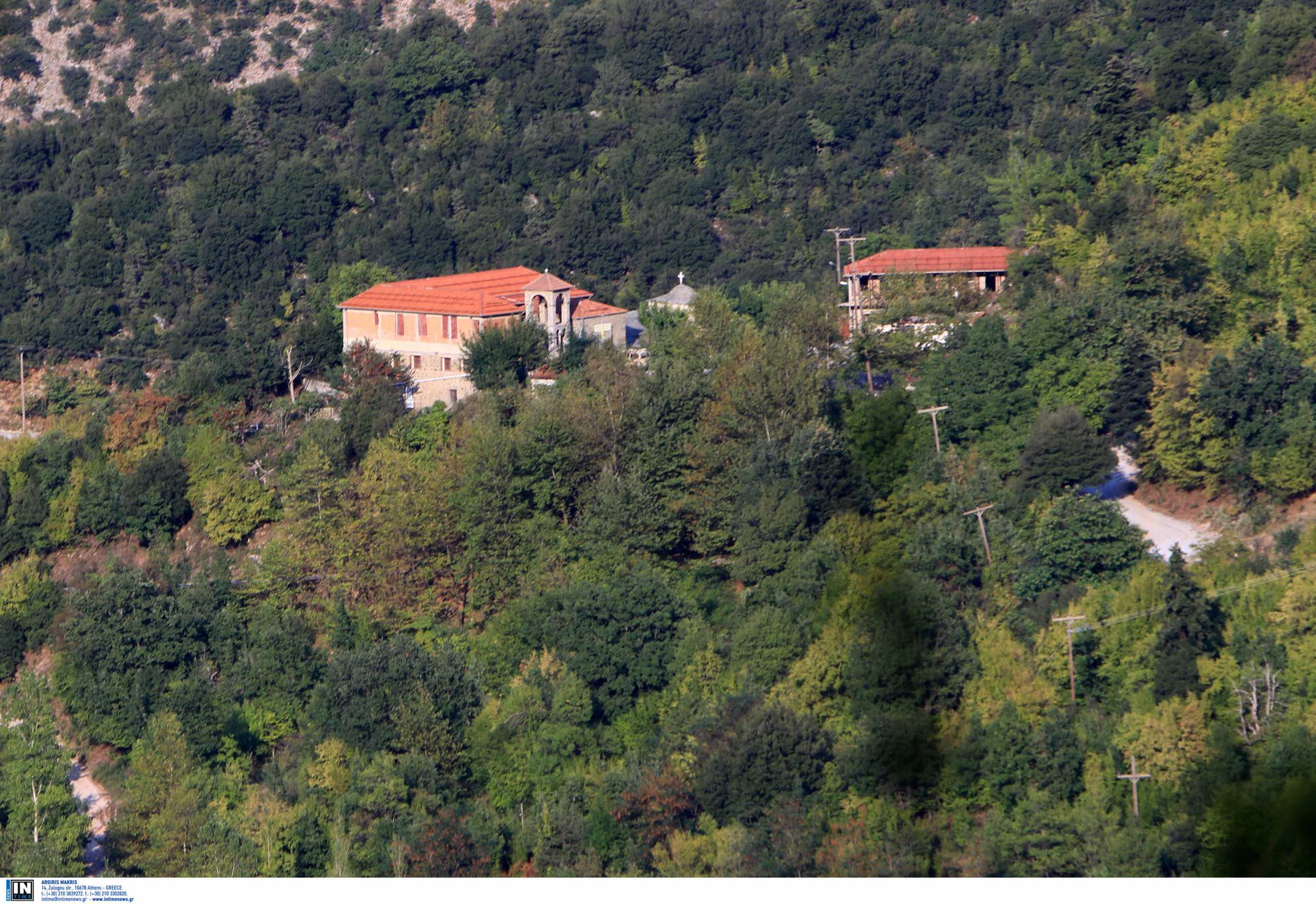 Παναγία η Πελεκητή: Το μοναστήρι που ξεχωρίζει στο «θρόνο» των Αγράφων