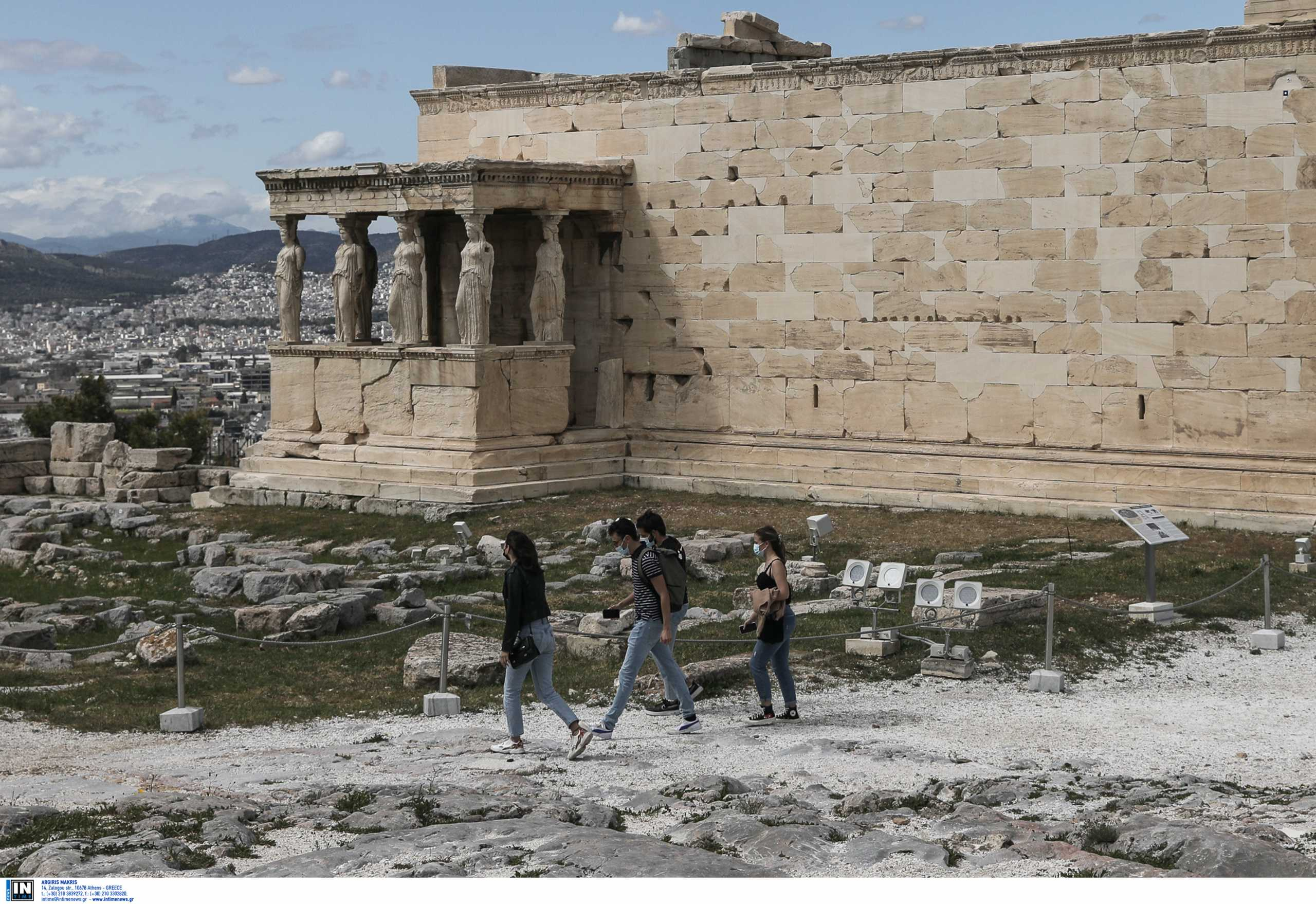 Υπουργείο Πολιτισμού: Fake news του ΣΥΡΙΖΑ – Αυτές είναι οι πινακίδες της Ακρόπολης