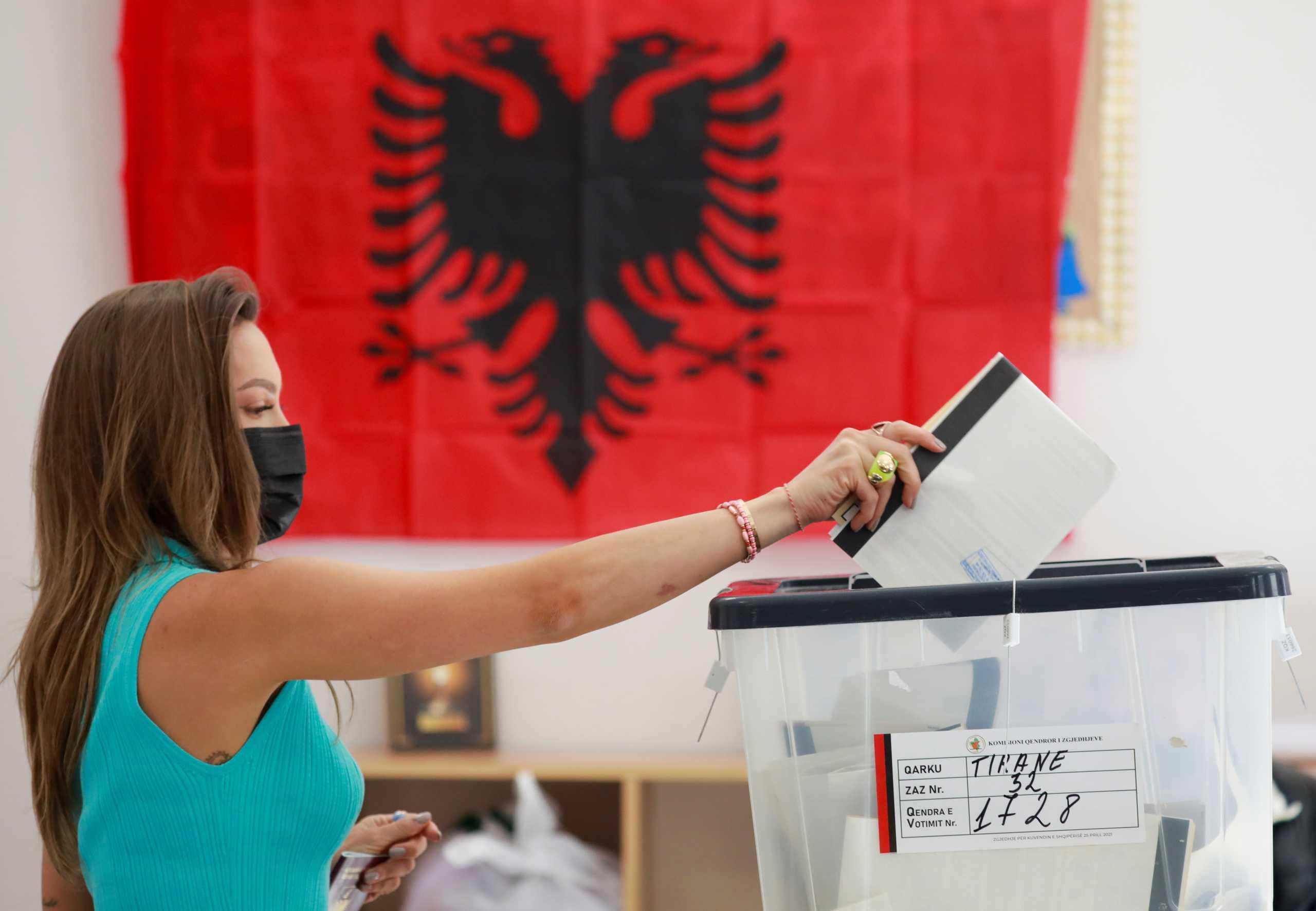 Εκλογές στην Αλβανία: Έκλεισαν οι κάλπες – Πότε αναμένονται τα αποτελέσματα