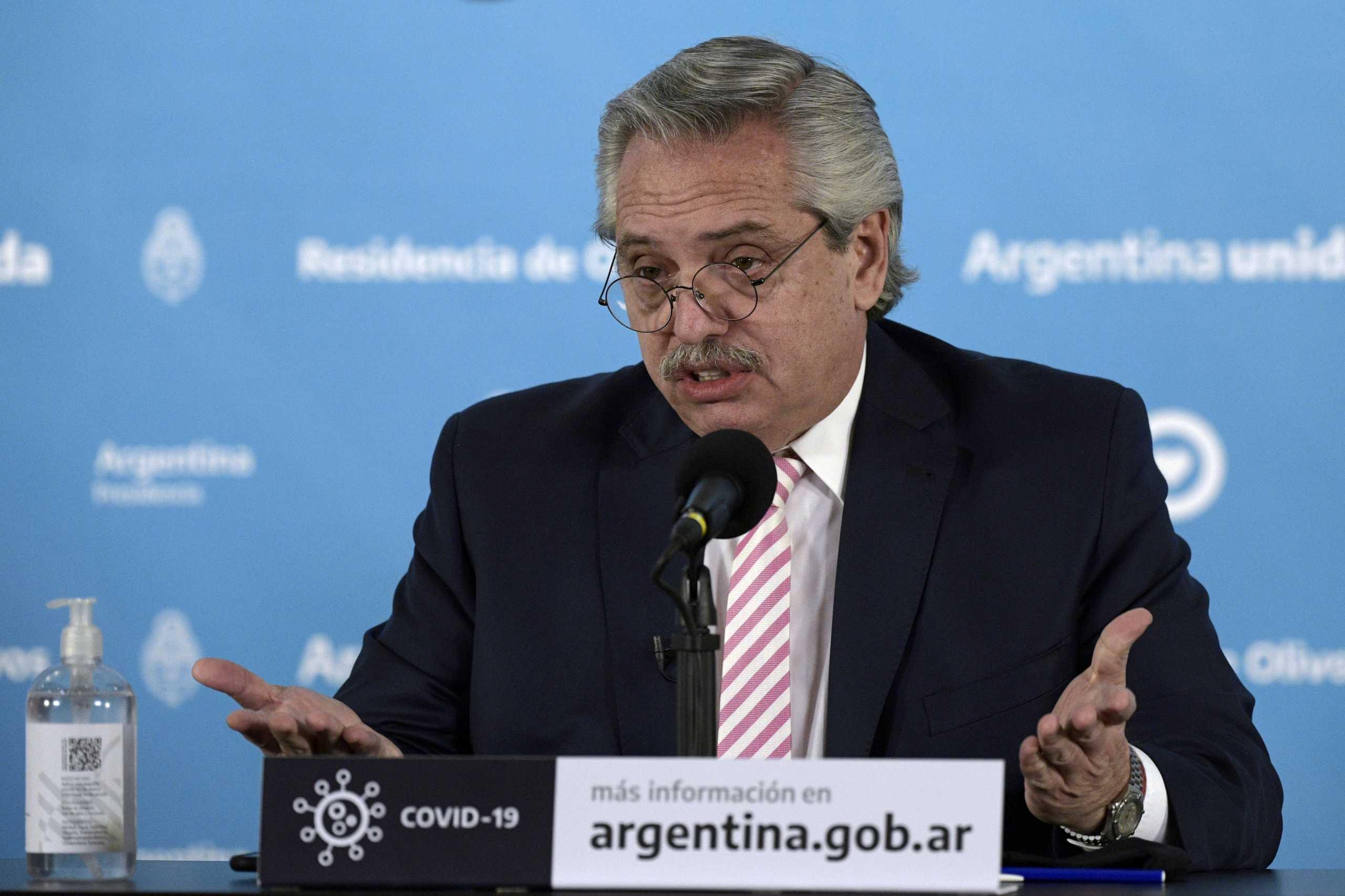 Θετικός στον κορονοϊό ο πρόεδρος της Αργεντινής – Το έμαθε ανήμερα των γενεθλίων του