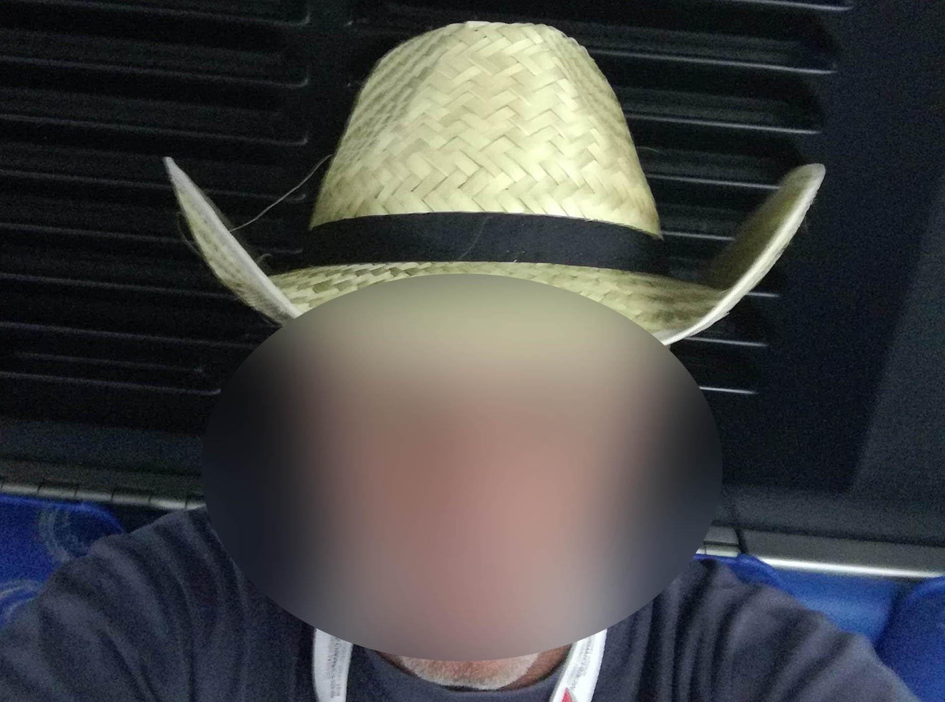 Άνδρος: Ψάλτης και πατέρας 10 παιδιών ο καθηγητής που αρνήθηκε να κάνει self test και συνελήφθη