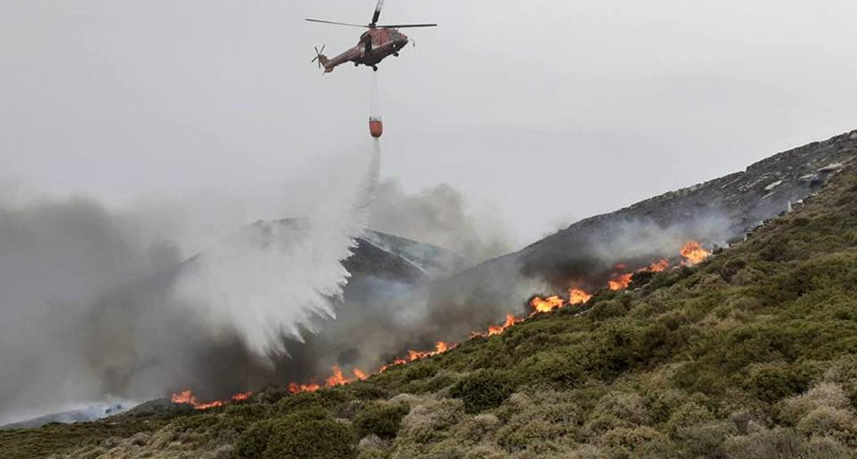 Άνδρος: Τι δηλώνει ο κοινοτάρχης που απειλούσε να βάλει φωτιά στο νησί (video)