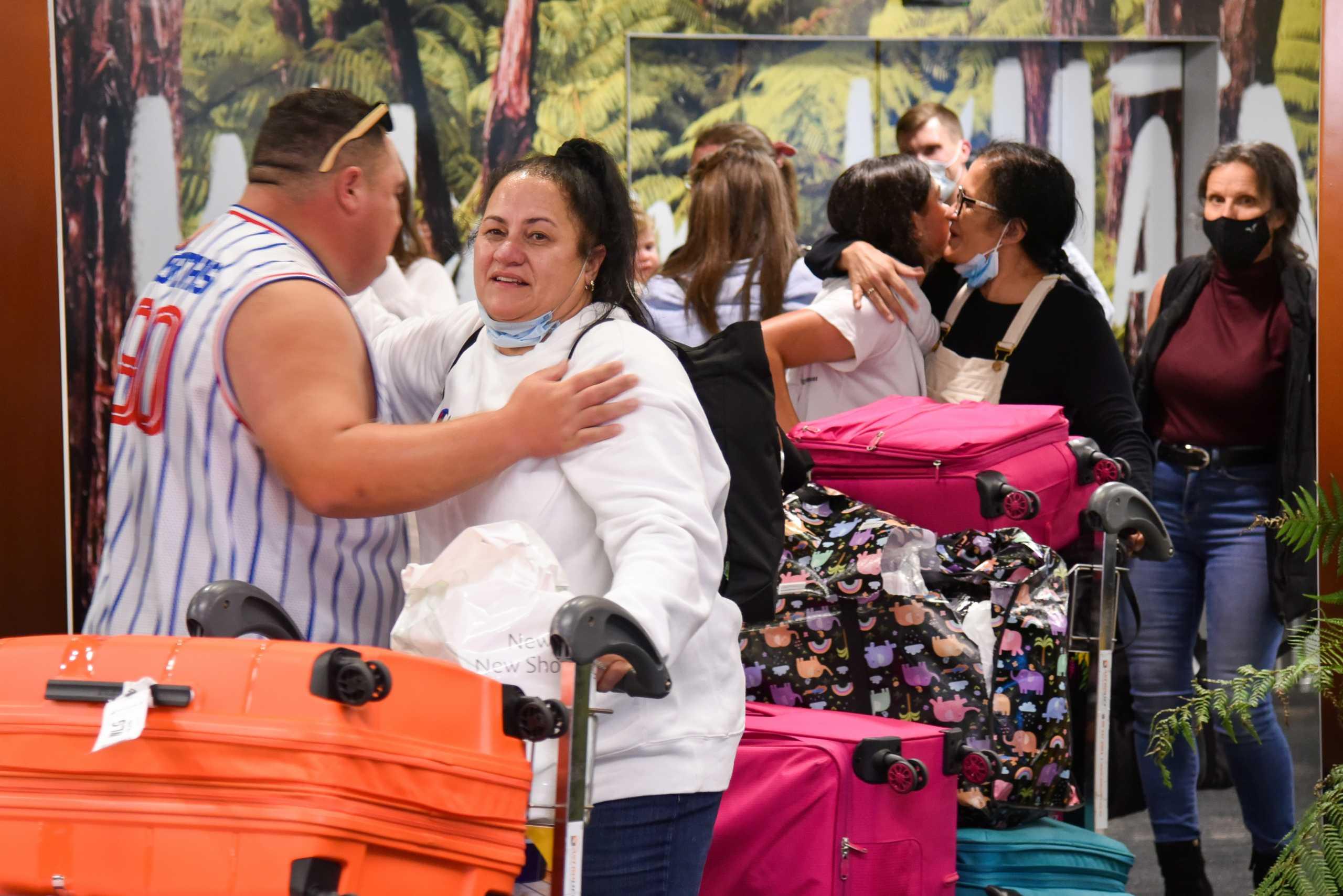 Νέα Ζηλανδία: Θετικός στον κορονοϊό εργαζόμενος στο αεροδρόμιο – Μία μέρα μετά το άνοιγμα των ταξιδιών (pics, vid)