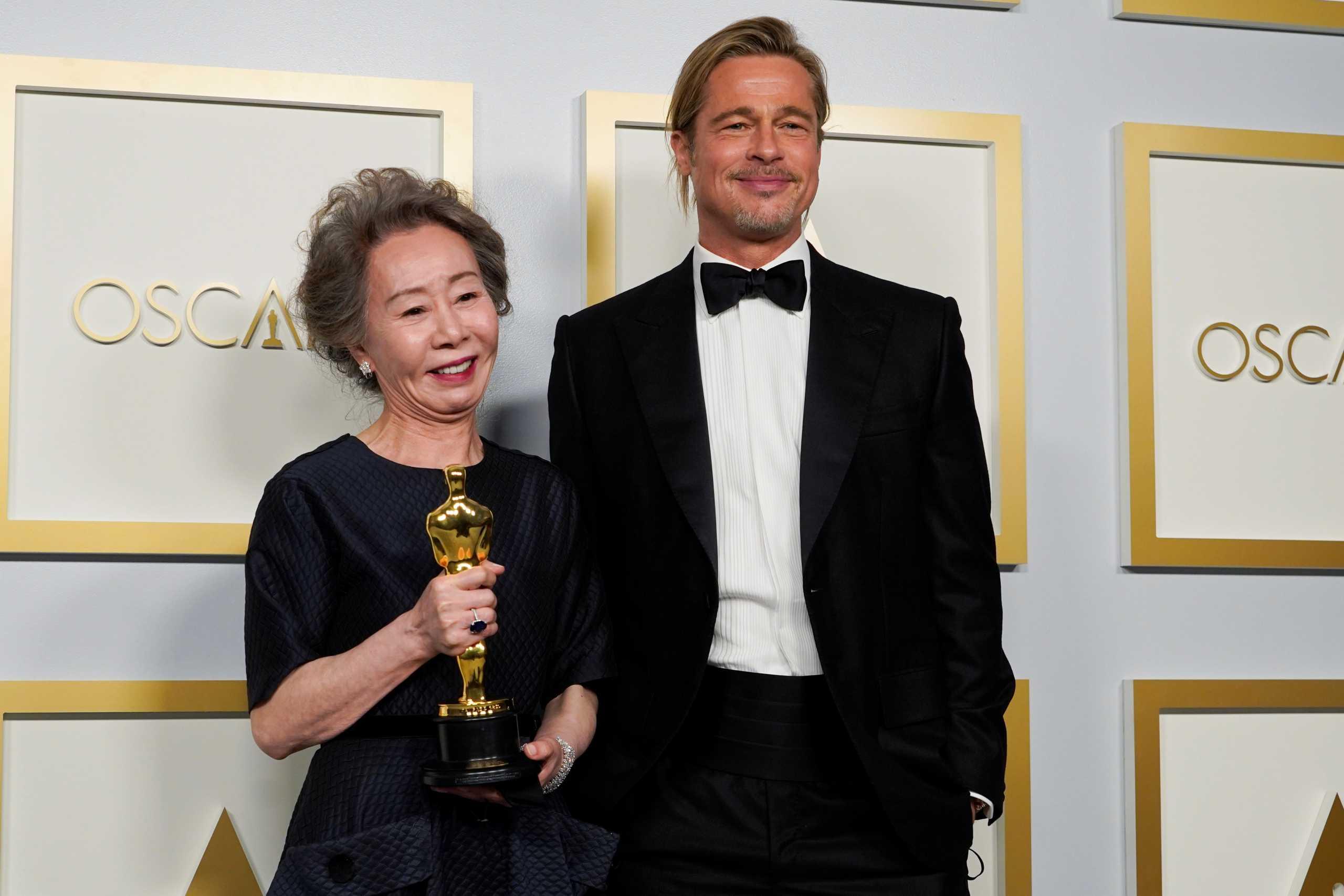 Oscar 2021: Η επική ατάκα της νικήτριας του Β Γυναικείου Ρόλου στον Μπραντ Πιτ