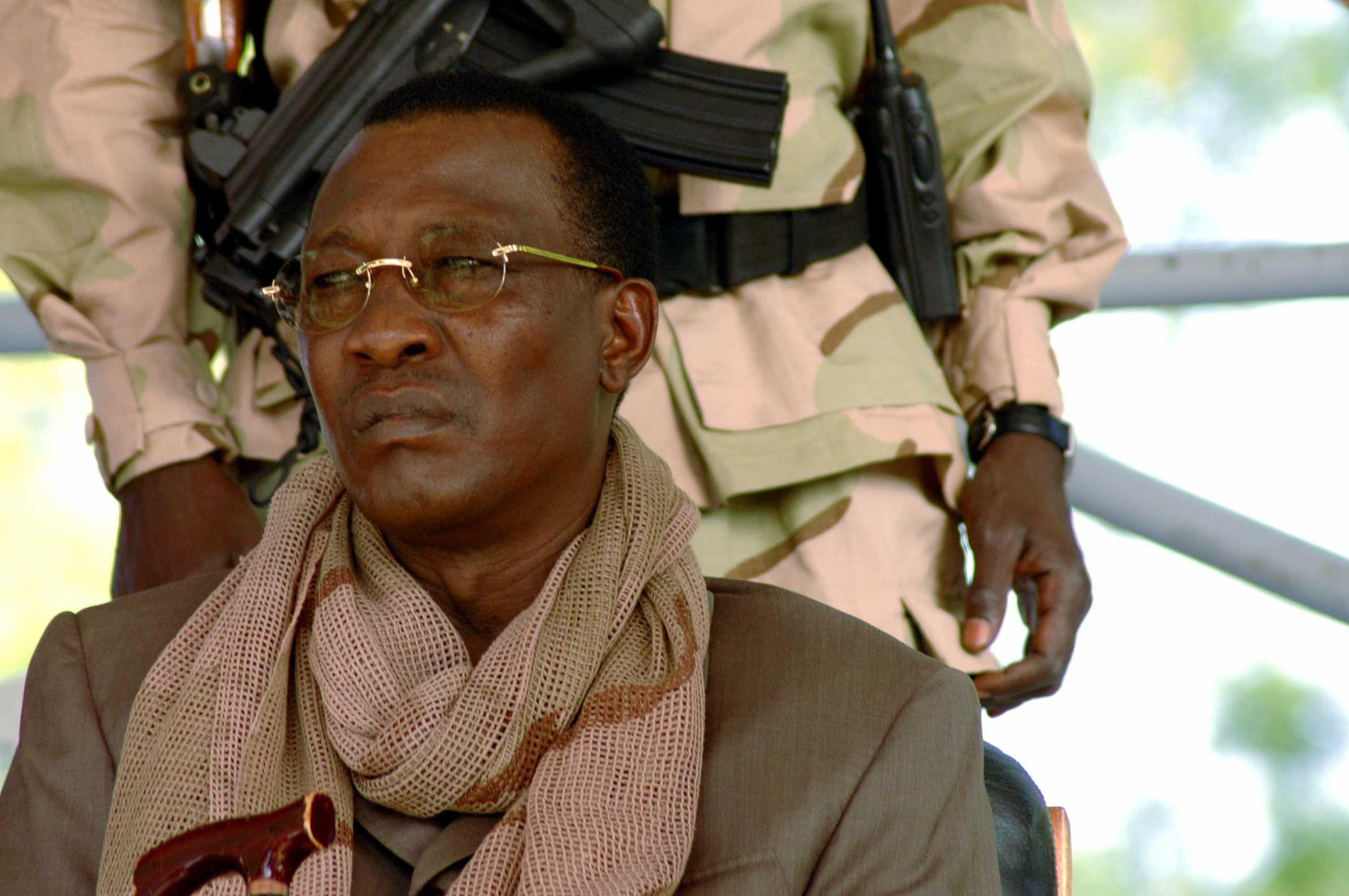 Νεκρός ο πρόεδρος του Τσαντ – Σκοτώθηκε σε μάχες με αντάρτες