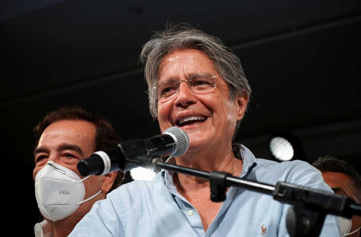 Εκουαδόρ: Ένας πρώην τραπεζίτης, μέλος του Opus Dei, νέος πρόεδρος