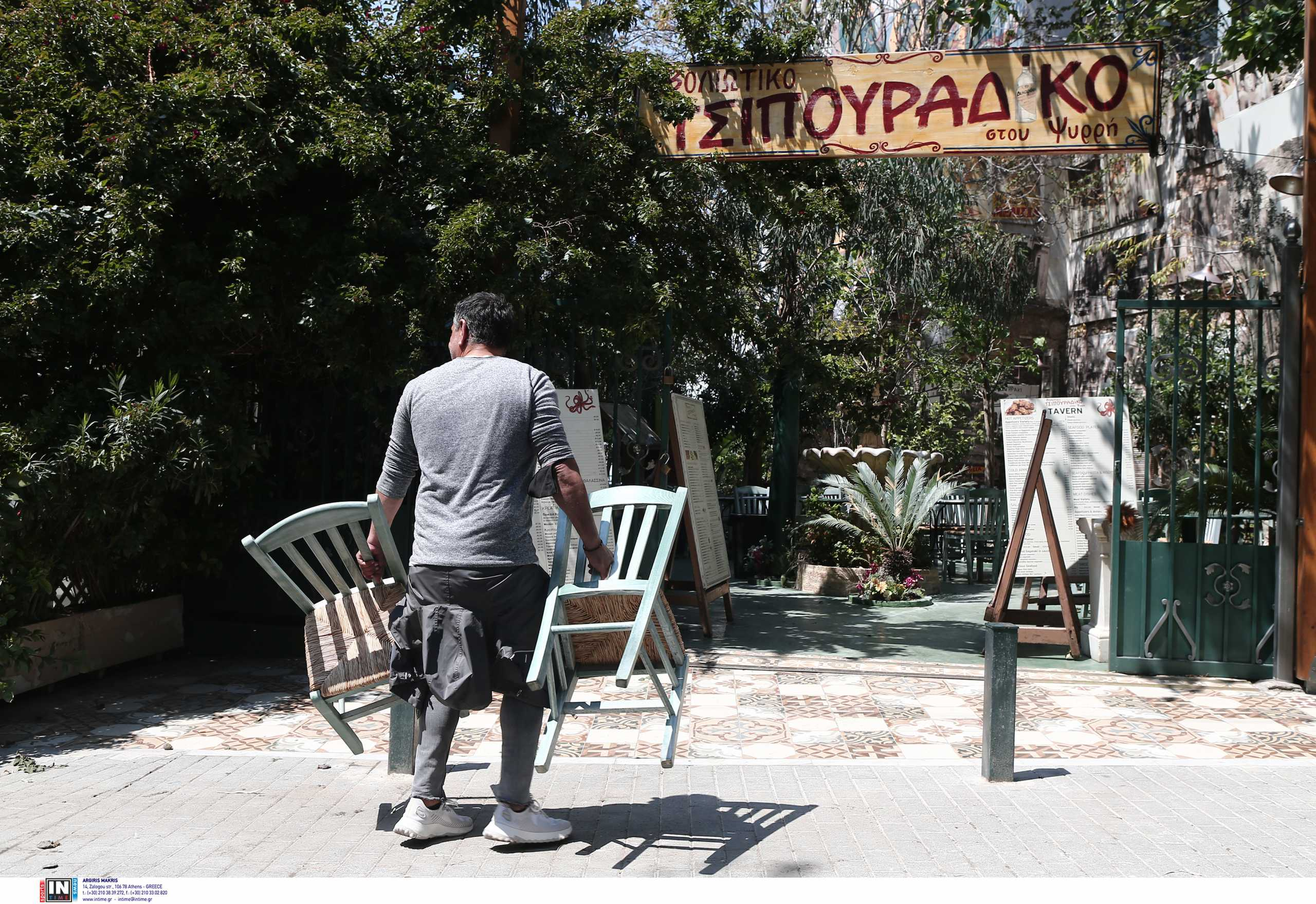 Βασιλακόπουλος: Γιατί απαγορεύθηκε η μουσική σε εστίαση και καφέ