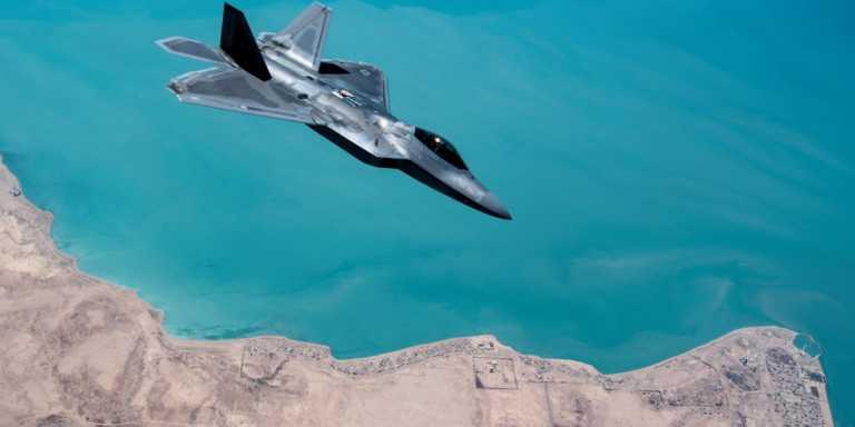 F-22: Όταν Αμερικανός πιλότος έκανε «μπούλινγκ» προτείνοντας σε ιρανικό F-4 «να πάει σπίτι του»