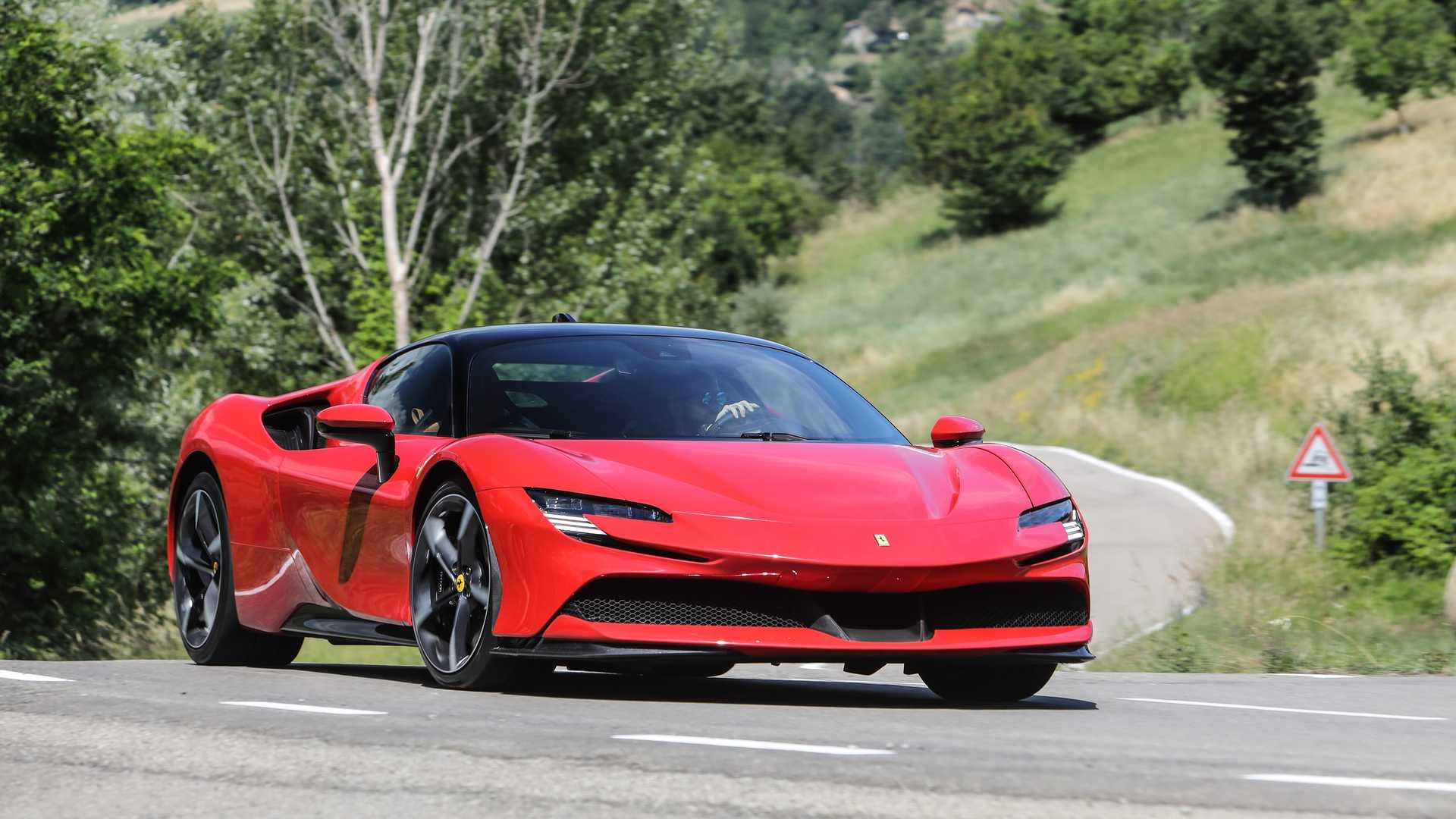 Το κάστρο πέφτει, έρχεται η πρώτη αμιγώς ηλεκτρική Ferrari!