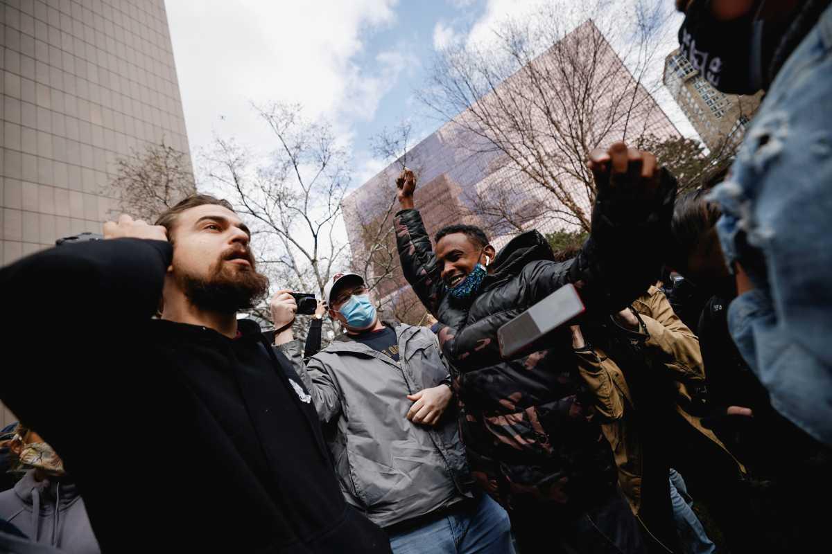 Δολοφονία Τζορτζ Φλόιντ: «Ένοχος και για τις τρεις κατηγορίες» η απόφαση των ενόρκων