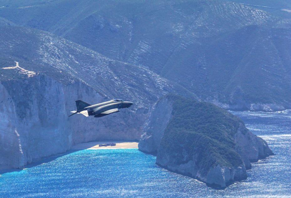 ΓΕΑ: Πτήση του Αρχηγού με F-4 πάνω από το Ναυάγιο – Επίσκεψη του Διοικητή της Αιγυπτιακής ΠΑ [pics]