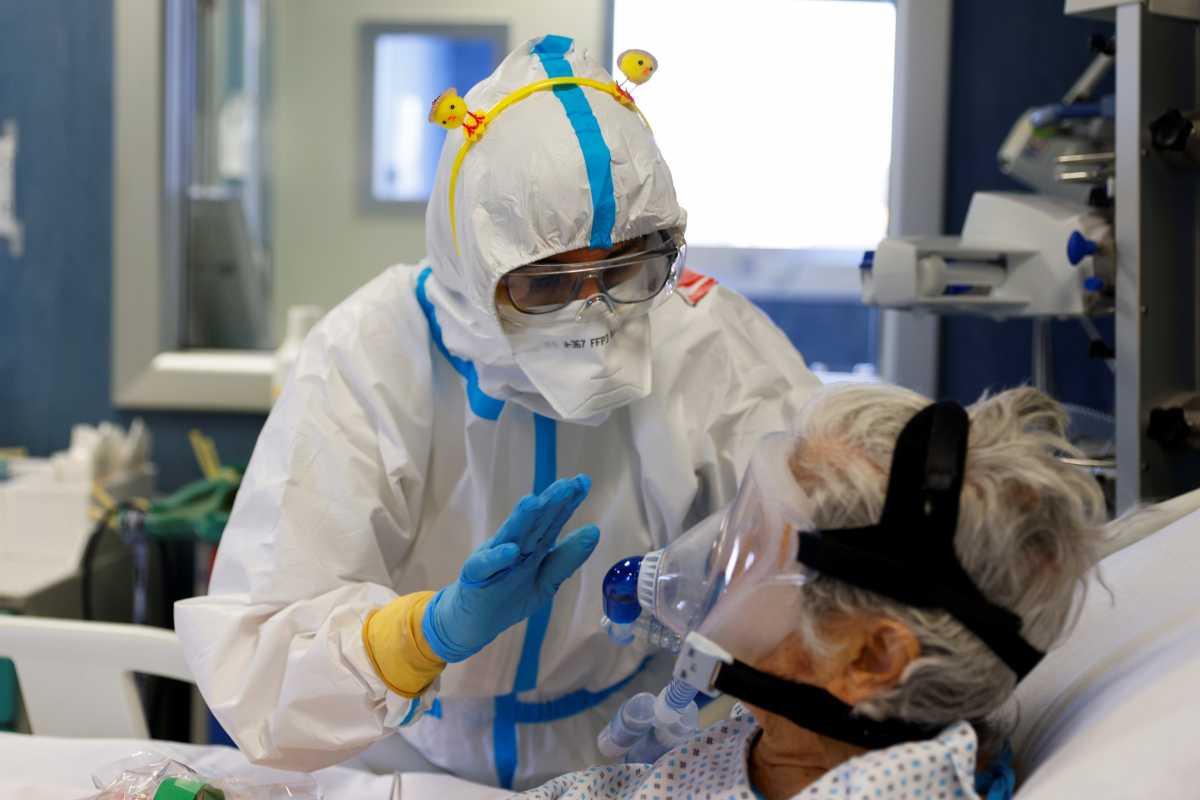 Το πλάσμα από ασθενείς που νίκησαν την Covid-19 μπορεί να σώσει διασωληνωμένους