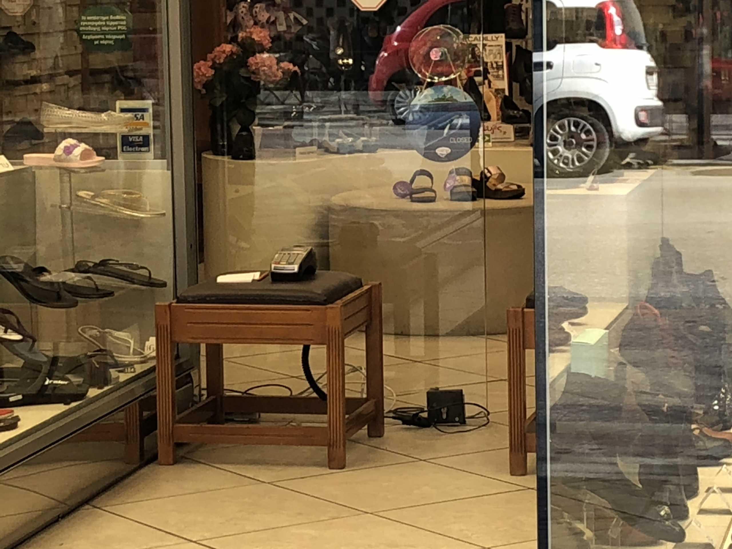 Θεσσαλονίκη: Άνοιξαν τα καταστήματα και επαληθεύτηκαν στην πράξη οι φόβοι των ιδιοκτητών (pics)