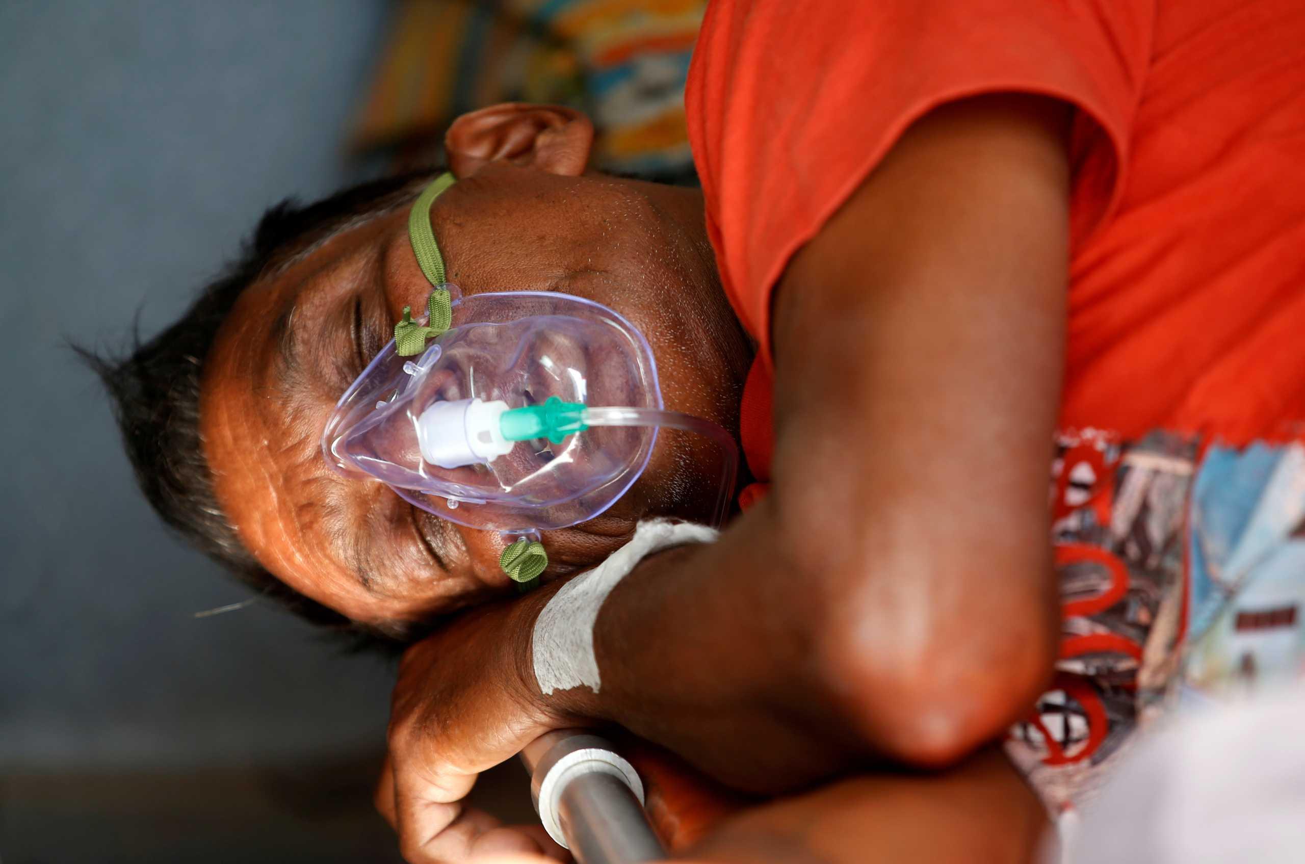 Ινδία: 22 ασθενείς με κορονοϊό πέθαναν από βλάβη στην παροχή οξυγόνου