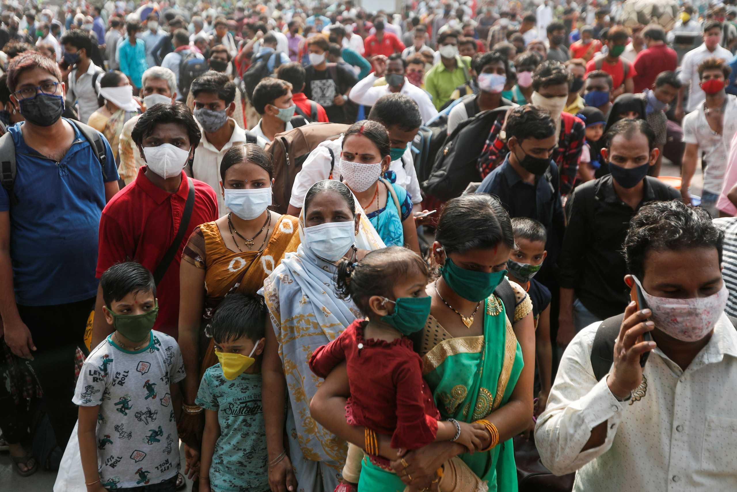 Ινδία: Δεν το χωρά ο νους! Πάνω από 200.000 κρούσματα κορονοϊού το τελευταίο 24ωρο