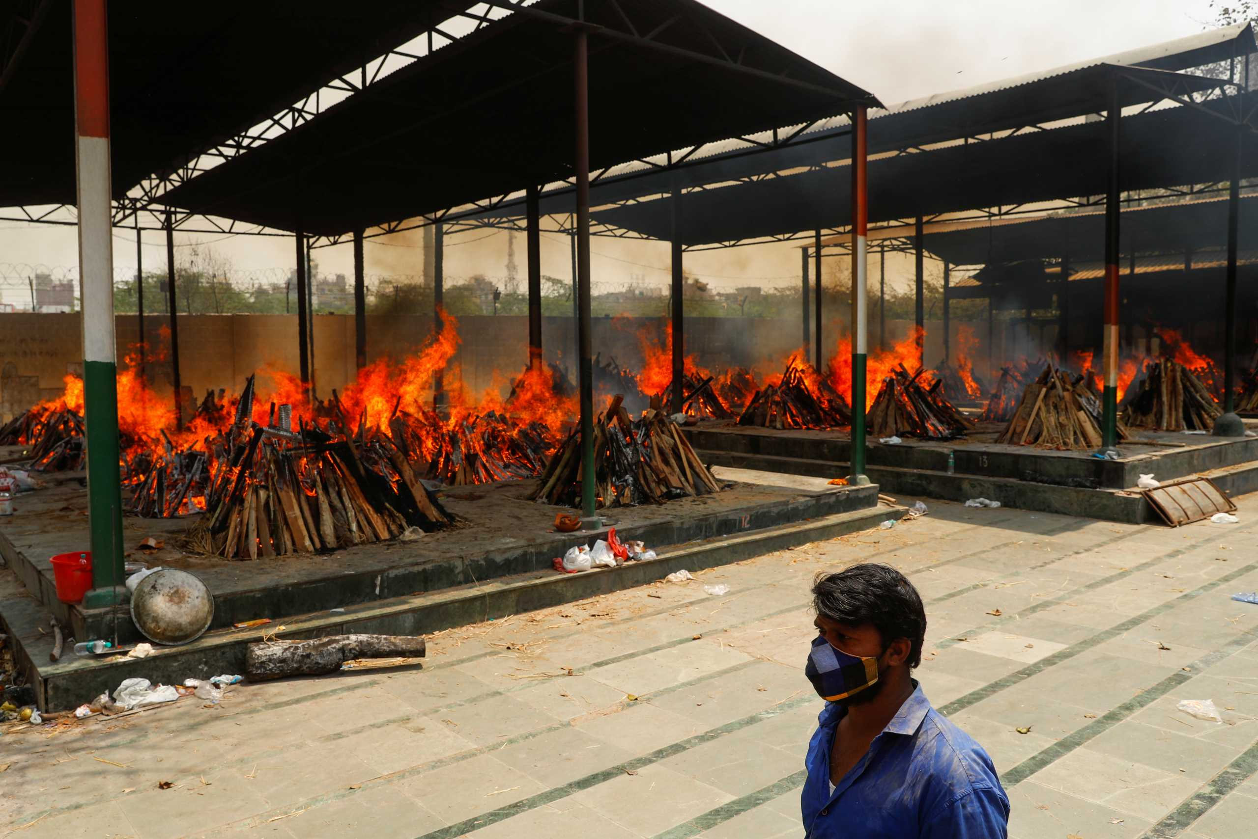 Ινδία: Παντού θάνατος! «Θερίζει» ζωές η νέα μετάλλαξη που είναι πιο μεταδοτική