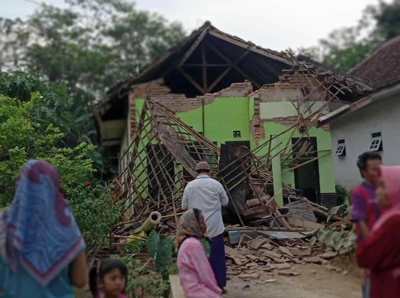 Ινδονησία: Επτά νεκροί από τον σεισμό των 5,9 βαθμών ανοιχτά της Ιάβας