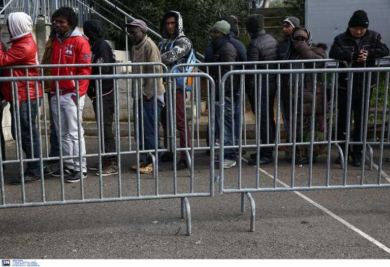 Υπ. Μετανάστευσης: Κόβεται το οικονομικό βοήθημα σε αιτούντες άσυλοπου δεν στεγάζονται σε δομές