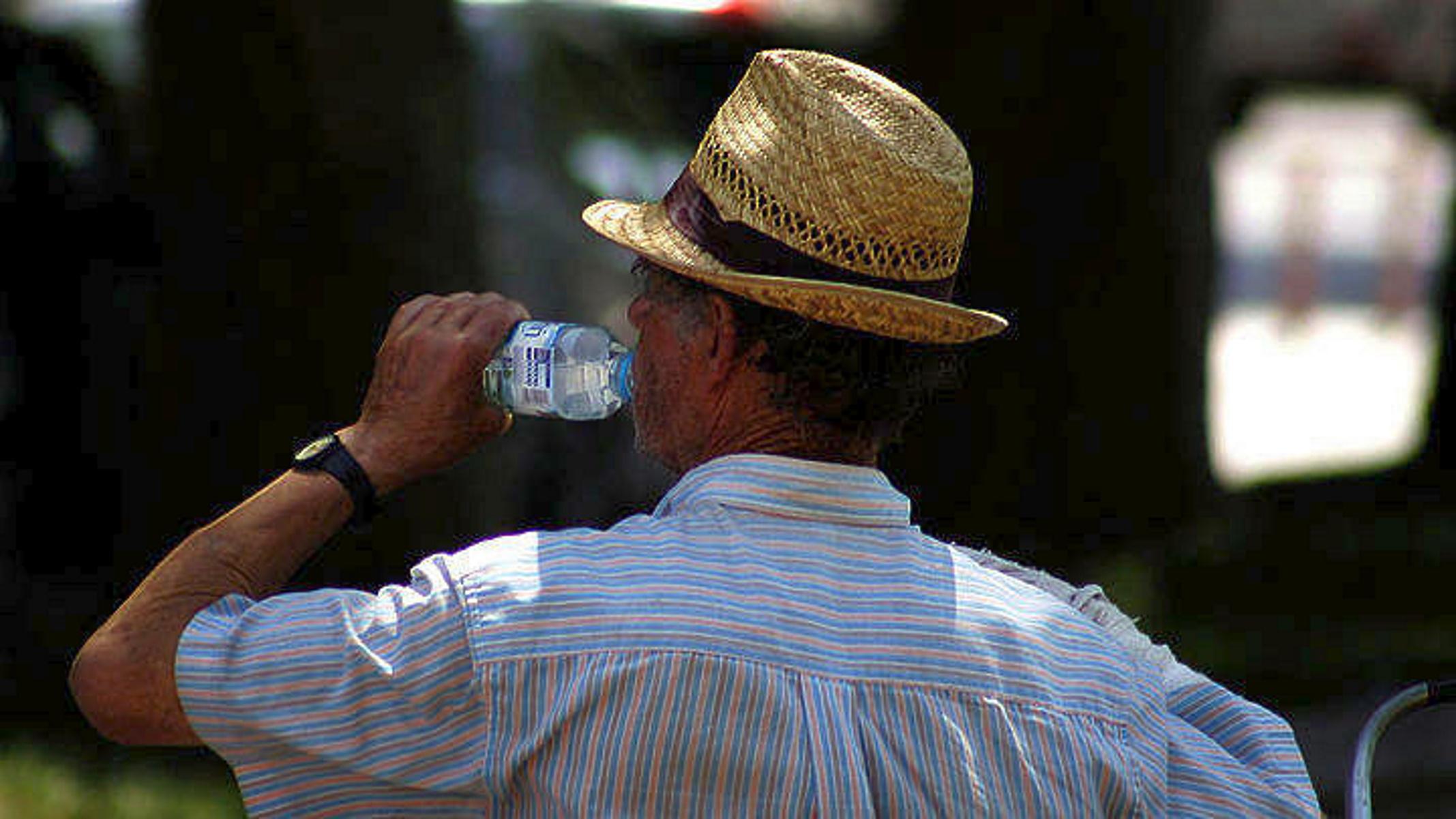 Καιρός σήμερα: Καλοκαιρινός με αφρικανική σκόνη και ζέστη