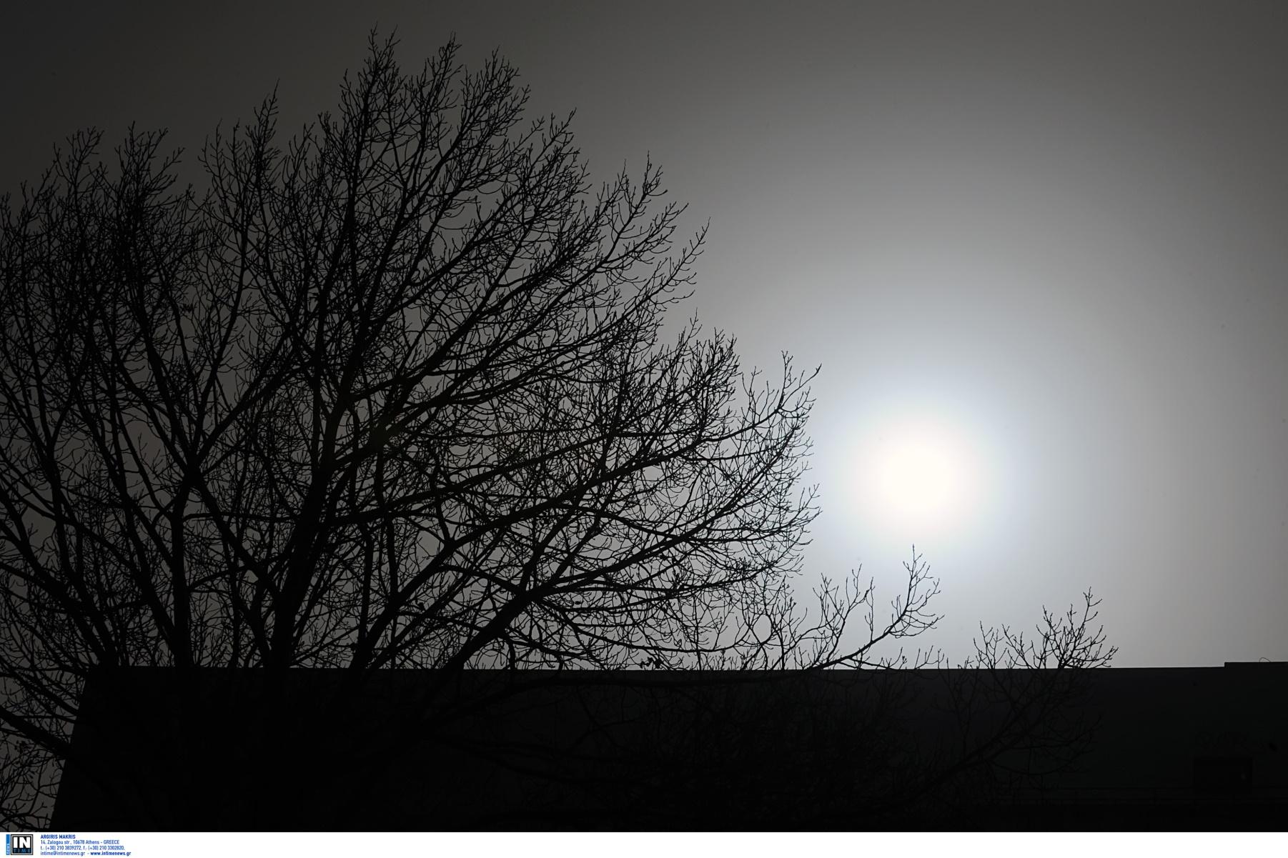 Καιρός σήμερα: Αφρικανική σκόνη με κουφόβραση – Σκαρφαλώνει ψηλότερα ο υδράργυρος