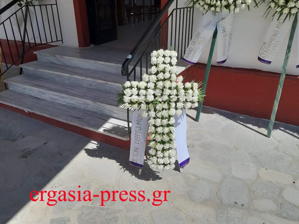 Γιώργος Καραϊβάζ: Ράγισαν καρδιές στην κηδεία του, Γιώργος Καραϊβάζ: Ράγισαν καρδιές στην κηδεία του – Ανείπωτος πόνος για τον δημοσιογράφο (pics), Eviathema.gr   Εύβοια Τοπ Νέα Ειδήσεις