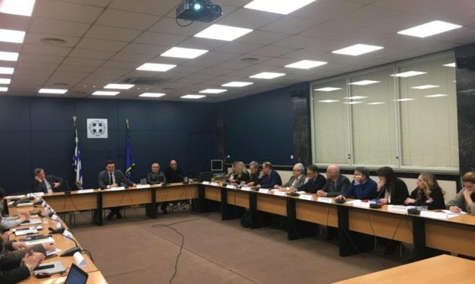 Όλα όσα θα συζητήσει η Επιτροπή λοιμωξιολόγων – Συνεχίζεται η κόντρα για την «ασυλία» των ειδικών