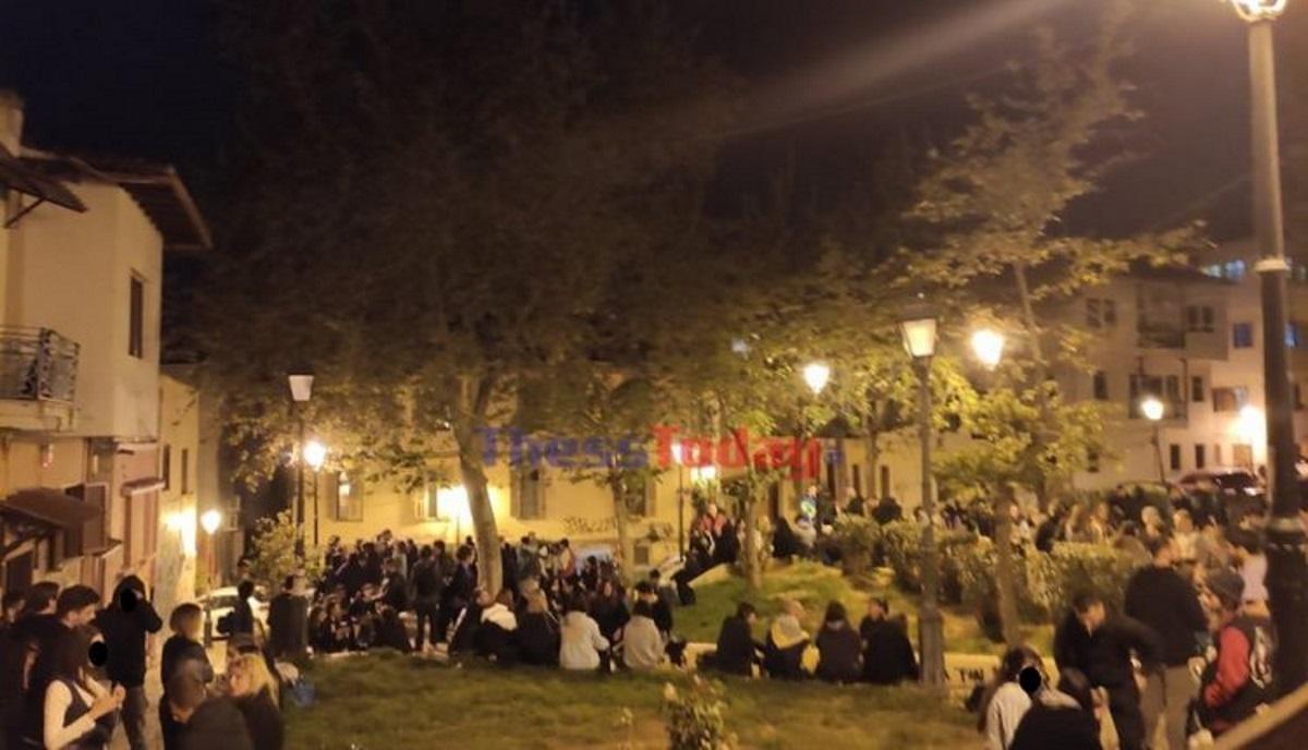 Κορονοπάρτι αλα… Κυψέλη και στη Θεσσαλονίκη: Χαμός στην πλατεία Καλλιθέας (pics)