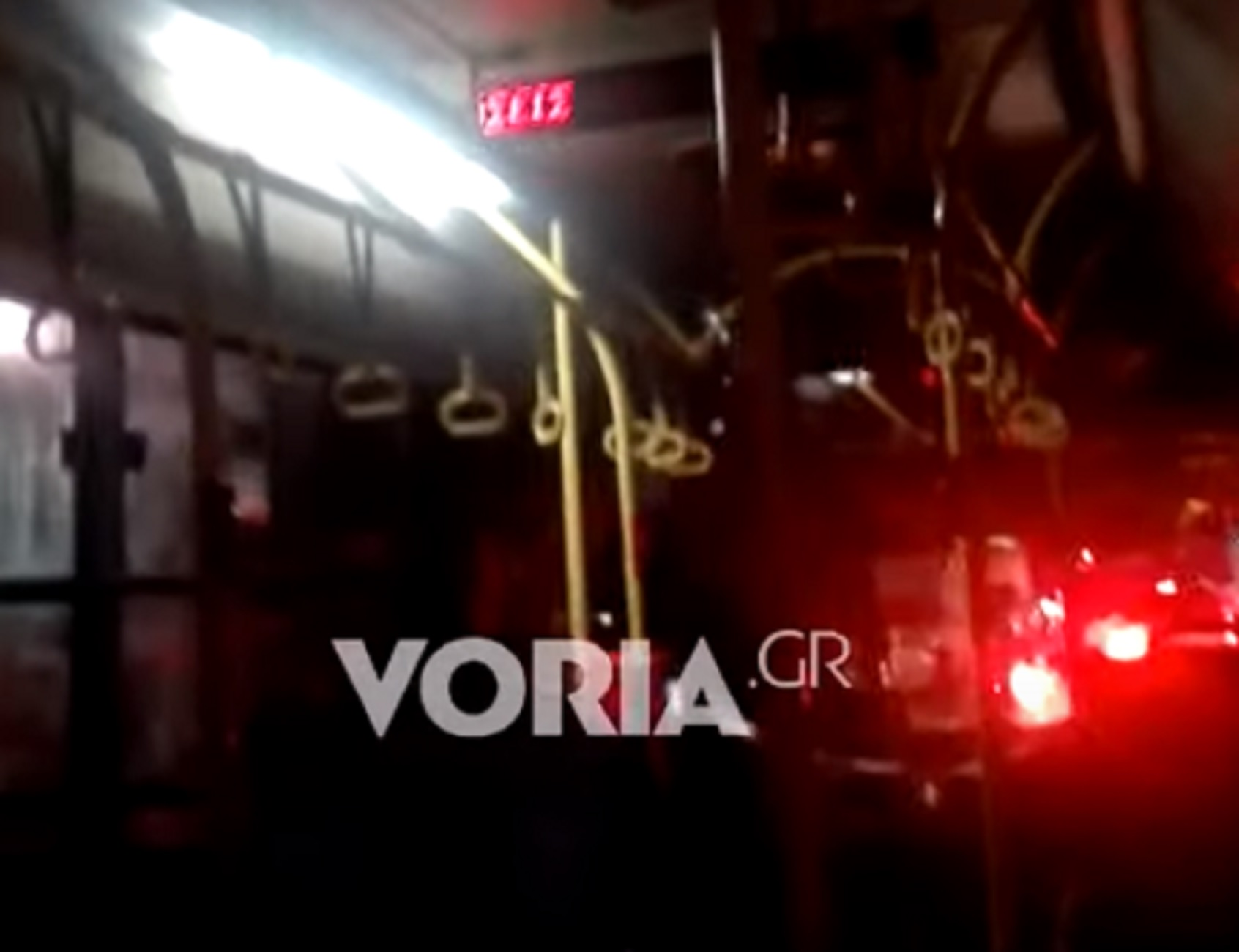 Θεσσαλονίκη: Έβρεχε και μέσα στο λεωφορείο του ΟΑΣΘ – Έπαθαν πλάκα όταν έκλεισαν οι πόρτες (video)
