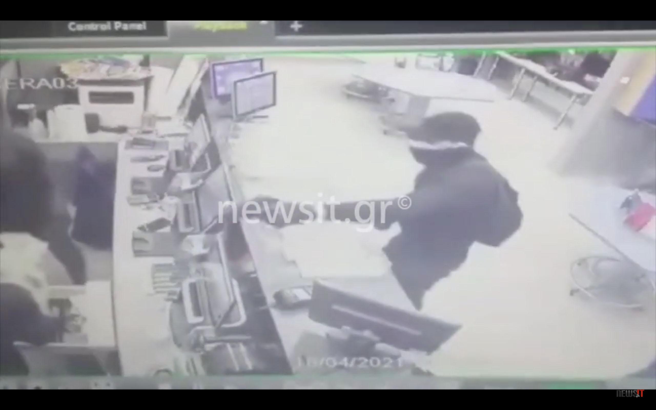 Ληστεία χιλιάδων ευρώ στην Κυψέλη σε 28 δευτερόλεπτα – Βίντεο ντοκουμέντο
