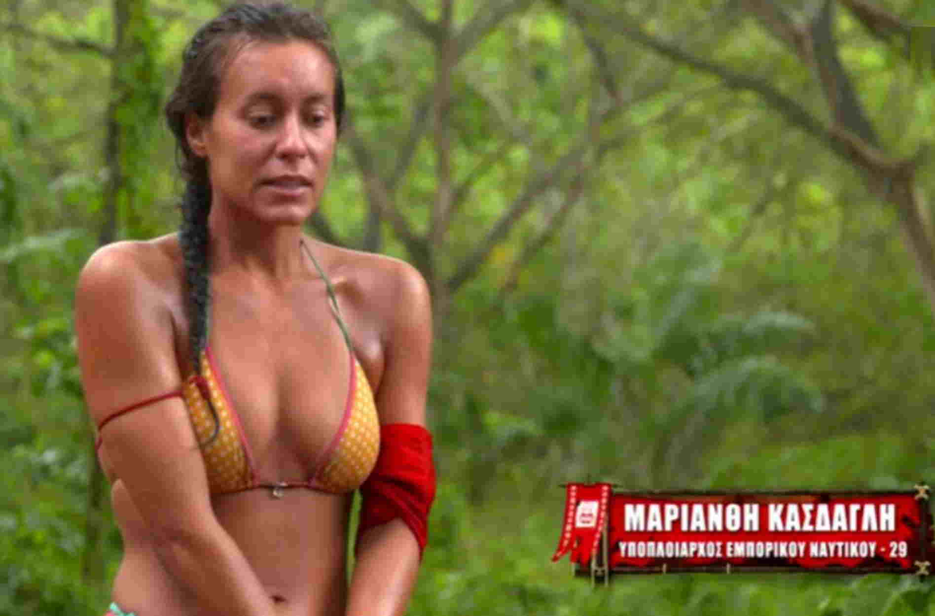 Μαριάνθη Κάσδαγλη – Survivor: Με κόκκινο μπικίνι στην παραλία μετά την αποχώρησή της