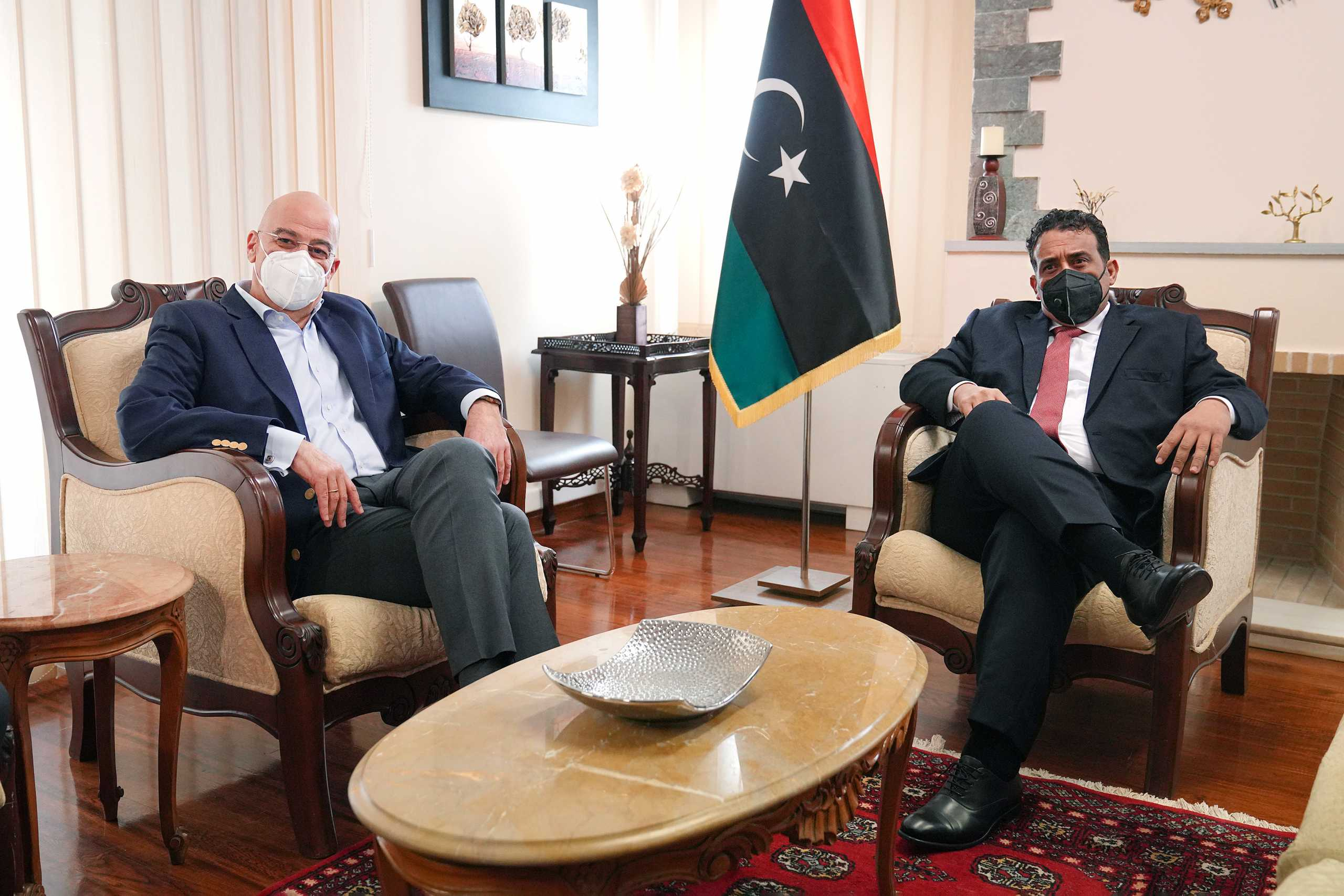 Συνάντηση Δένδια με τον πρόεδρο της Λιβύης