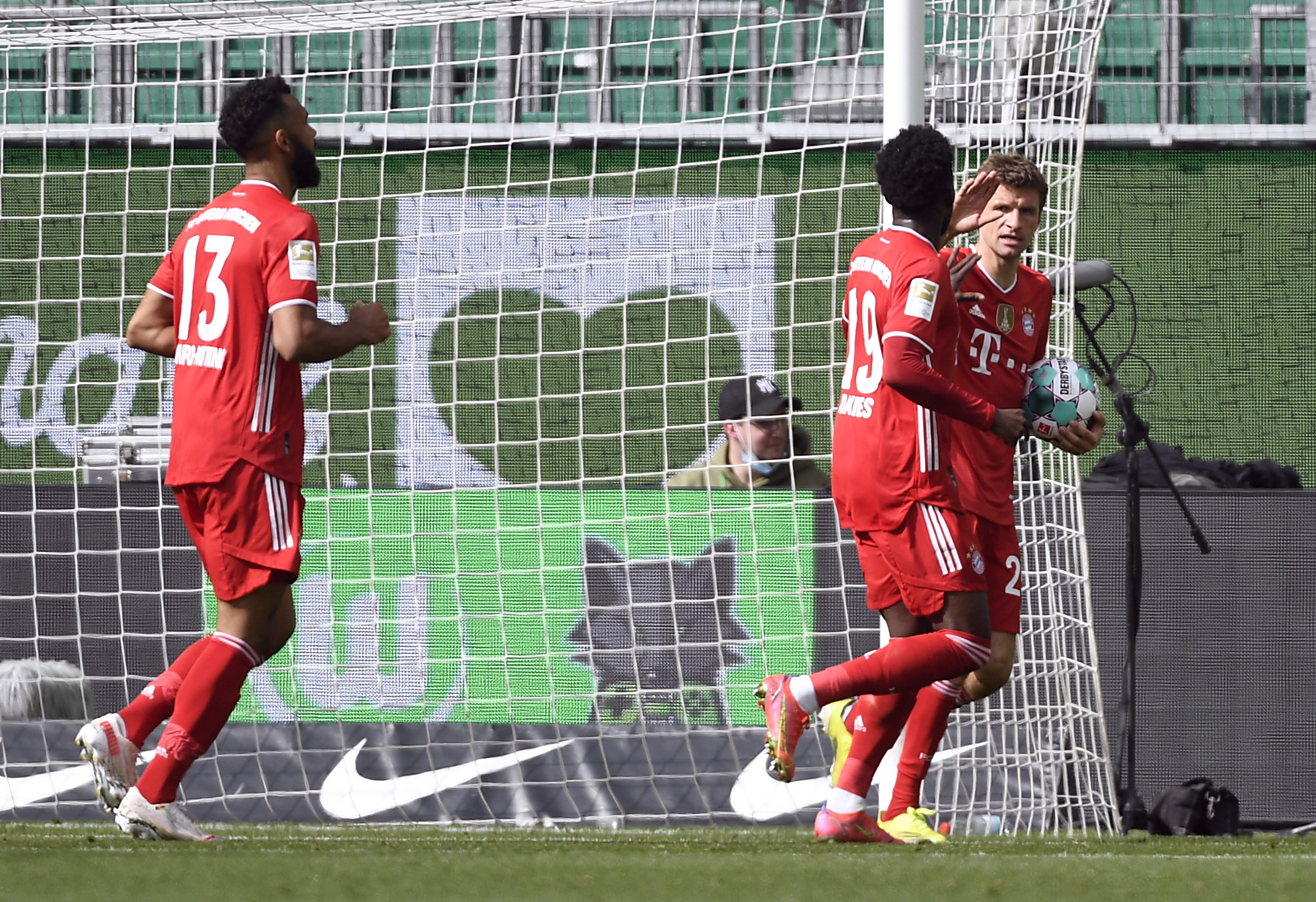 Bundesliga: Διπλό τίτλου με 18χρονο «Λεβαντόφσκι» για την Μπάγερν Μονάχου