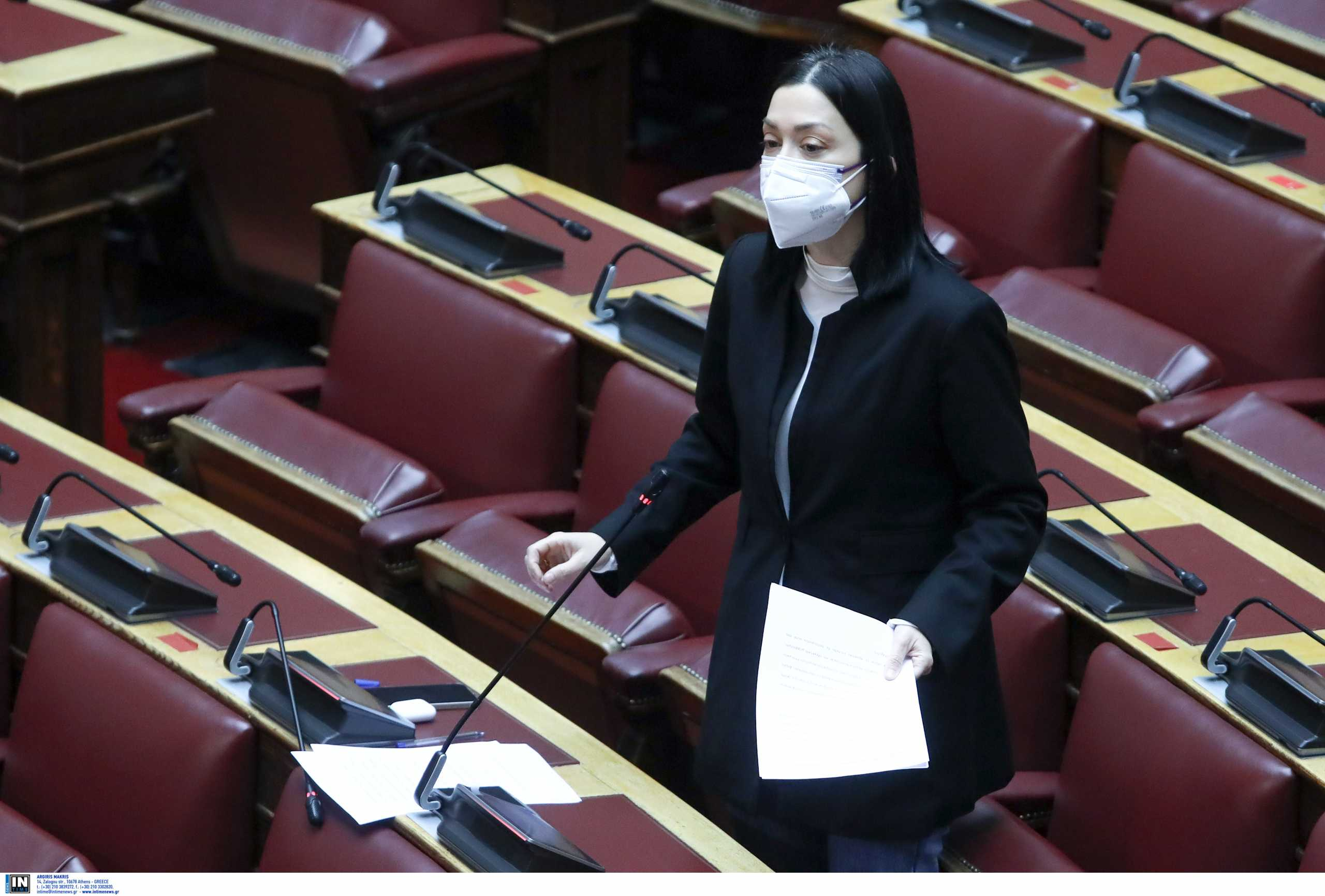 Νάντια Γιαννακοπούλου: Συνεργάτης της έχει συμπτώματα κορονοϊού