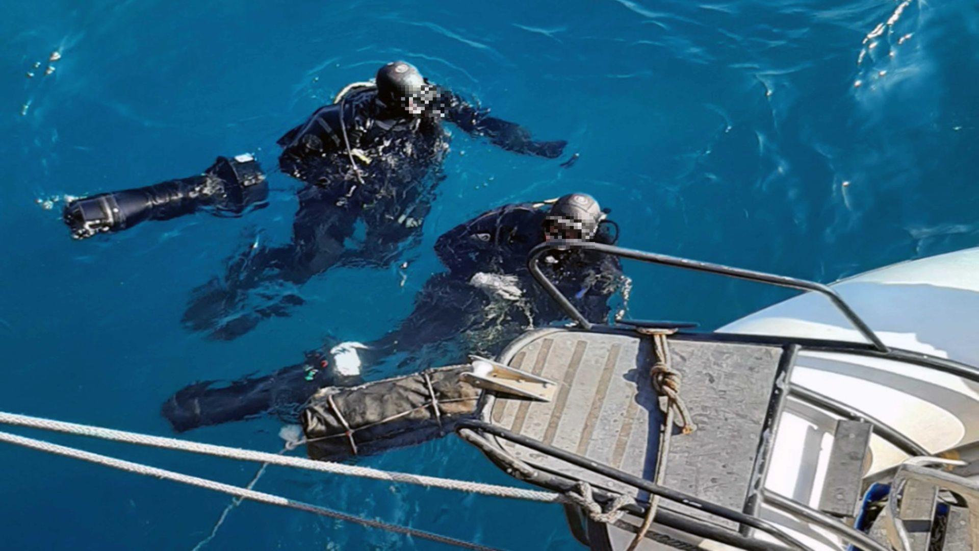 Κόρινθος: Εντυπωσιακά υποβρύχια πλάνα από τον εντοπισμό του πλοίου με τα 46 κιλά κοκαΐνης