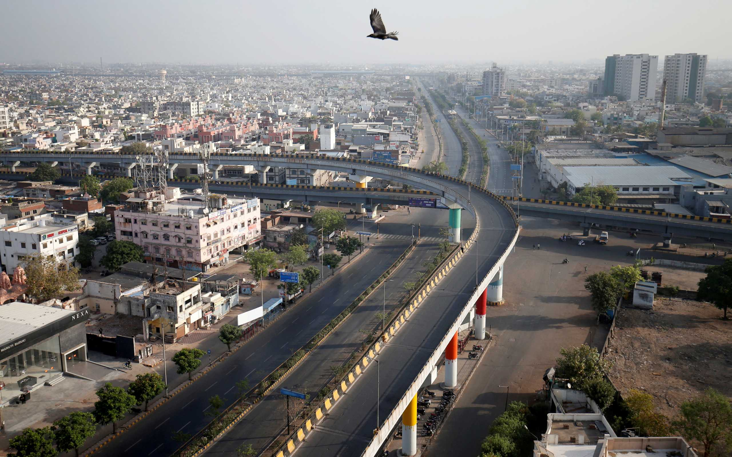 Σε lockdown το Νέο Δελχί μετά τα ασύλληπτα ρεκόρ κρουσμάτων κορονοϊού