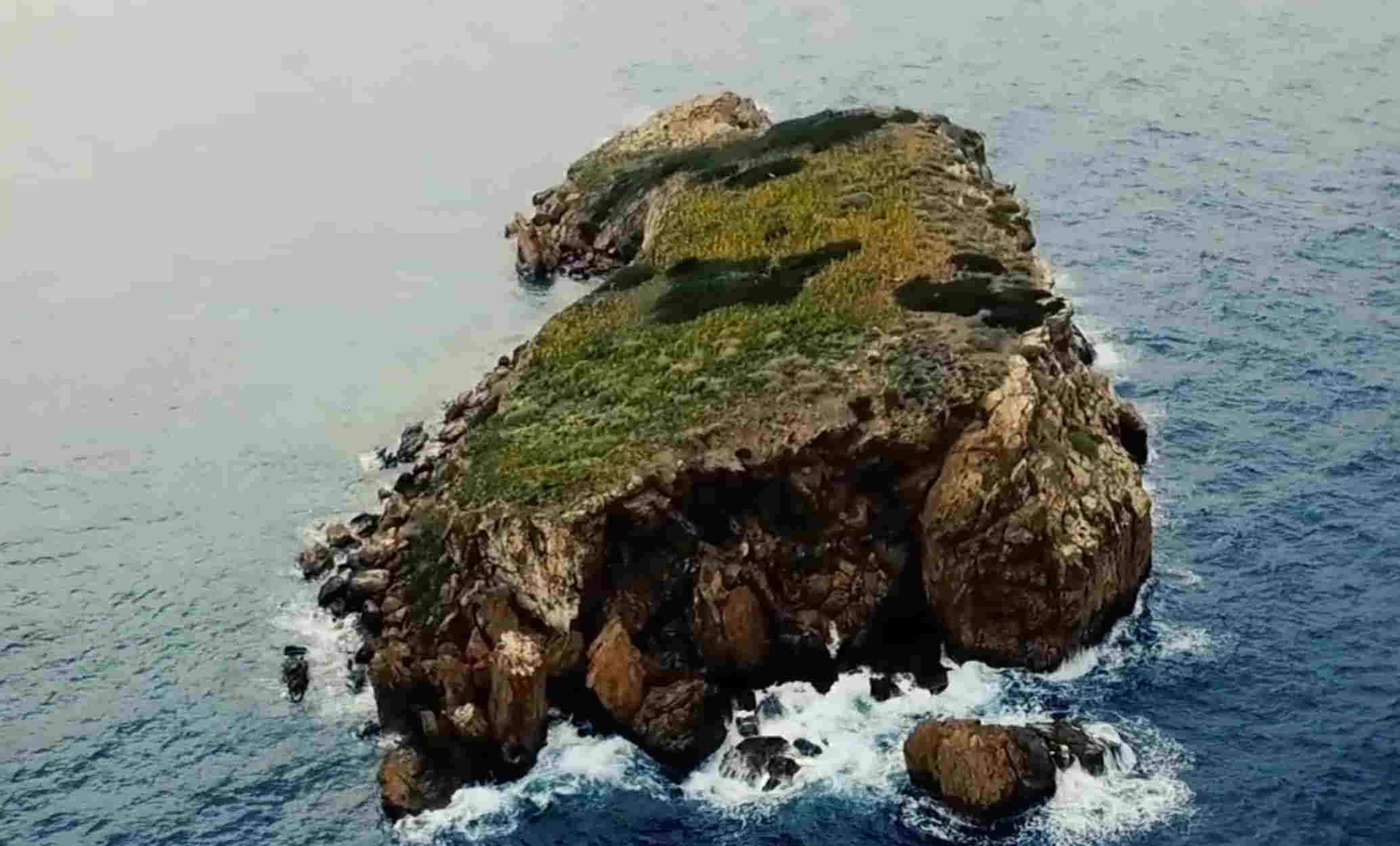 H «άγνωστη» αλλά πιο δημοφιλής νησίδα της Αττικής