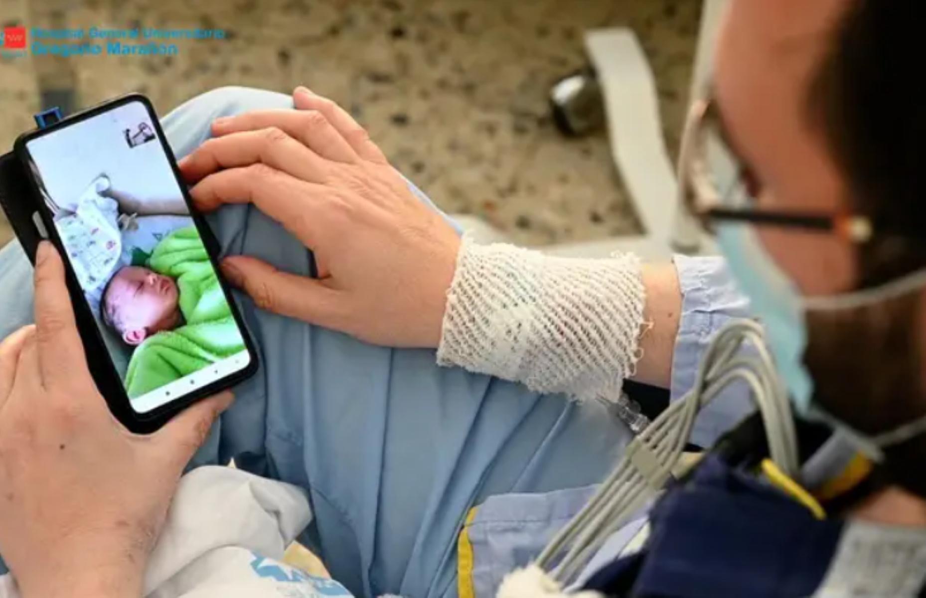 Συγκινητικές στιγμές σε νοσοκομείο της Μαδρίτης: Έκανε μεταμόσχευση καρδιάς την ώρα που γινόταν πατέρας (video)