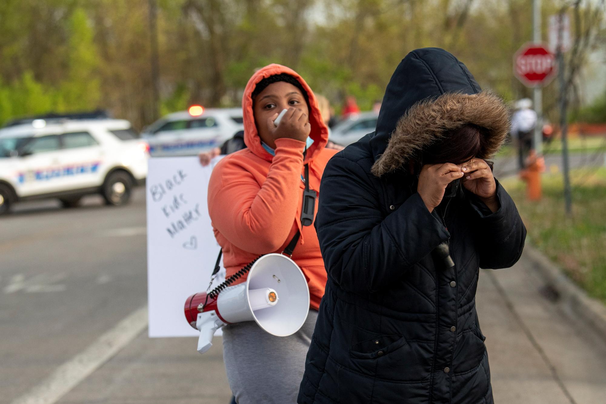 ΗΠΑ: Η αστυνομία σκότωσε 16χρονο κορίτσι στο Οχάιο – Απειλούσε να μαχαιρώσει δυο άτομα