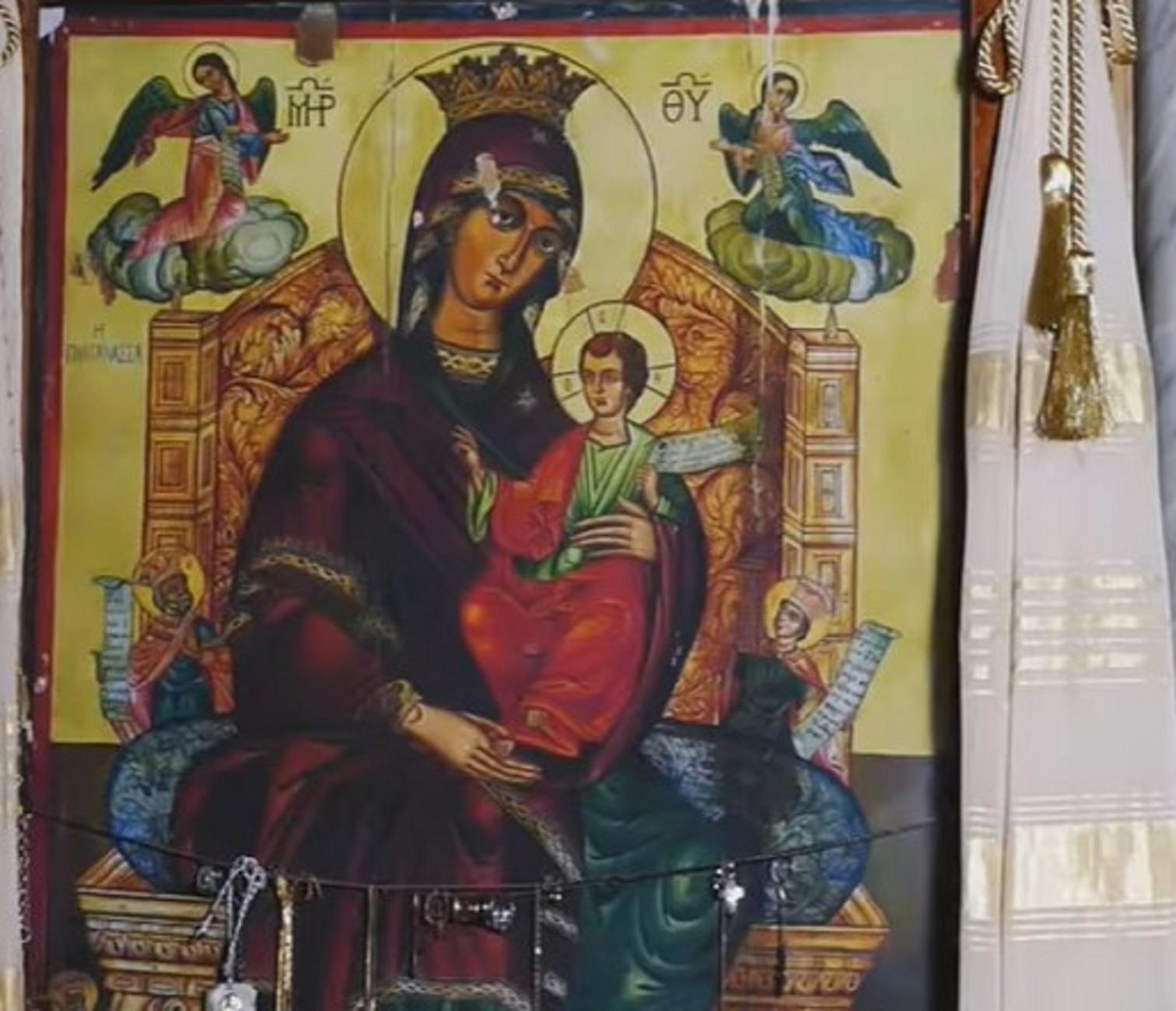 Αγρίνιο: Η φωτιά στην εκκλησία σταμάτησε μπροστά στην εικόνα της Παναγίας – Η συγκίνηση των πιστών