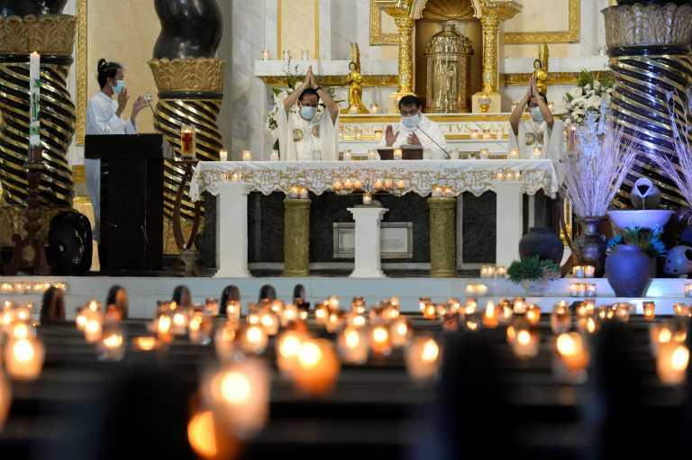 Πάσχα Καθολικοί: Εκατομμύρια άνθρωποι γιορτάζουν… χωρίς να γιορτάζουν (pics)