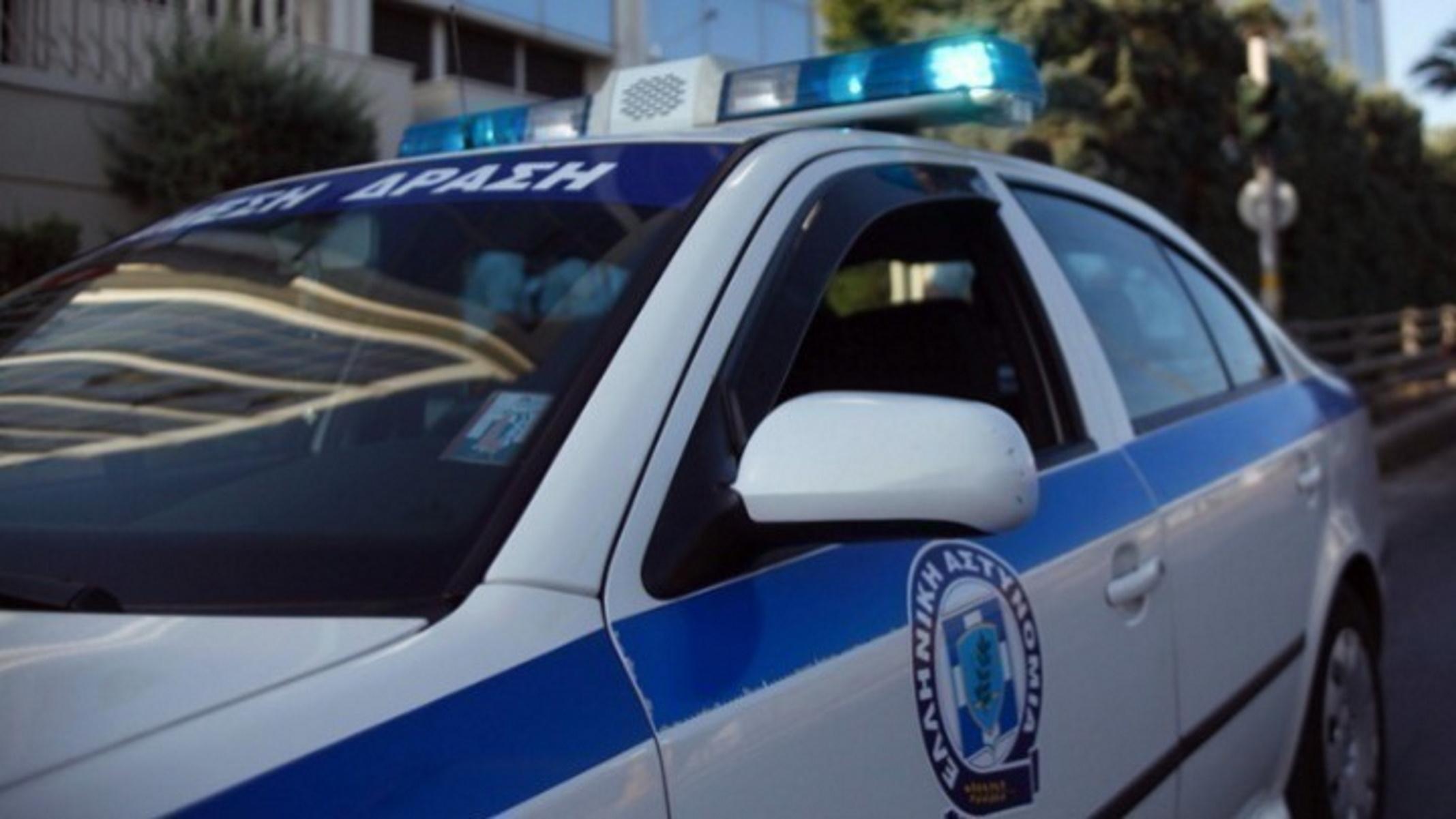 Λαμία: Χαμός σε γειτονιά με τον ιδιοκτήτη αυτοκινήτου να κάνει τσακωτό τον επίδοξο διαρρήκτη