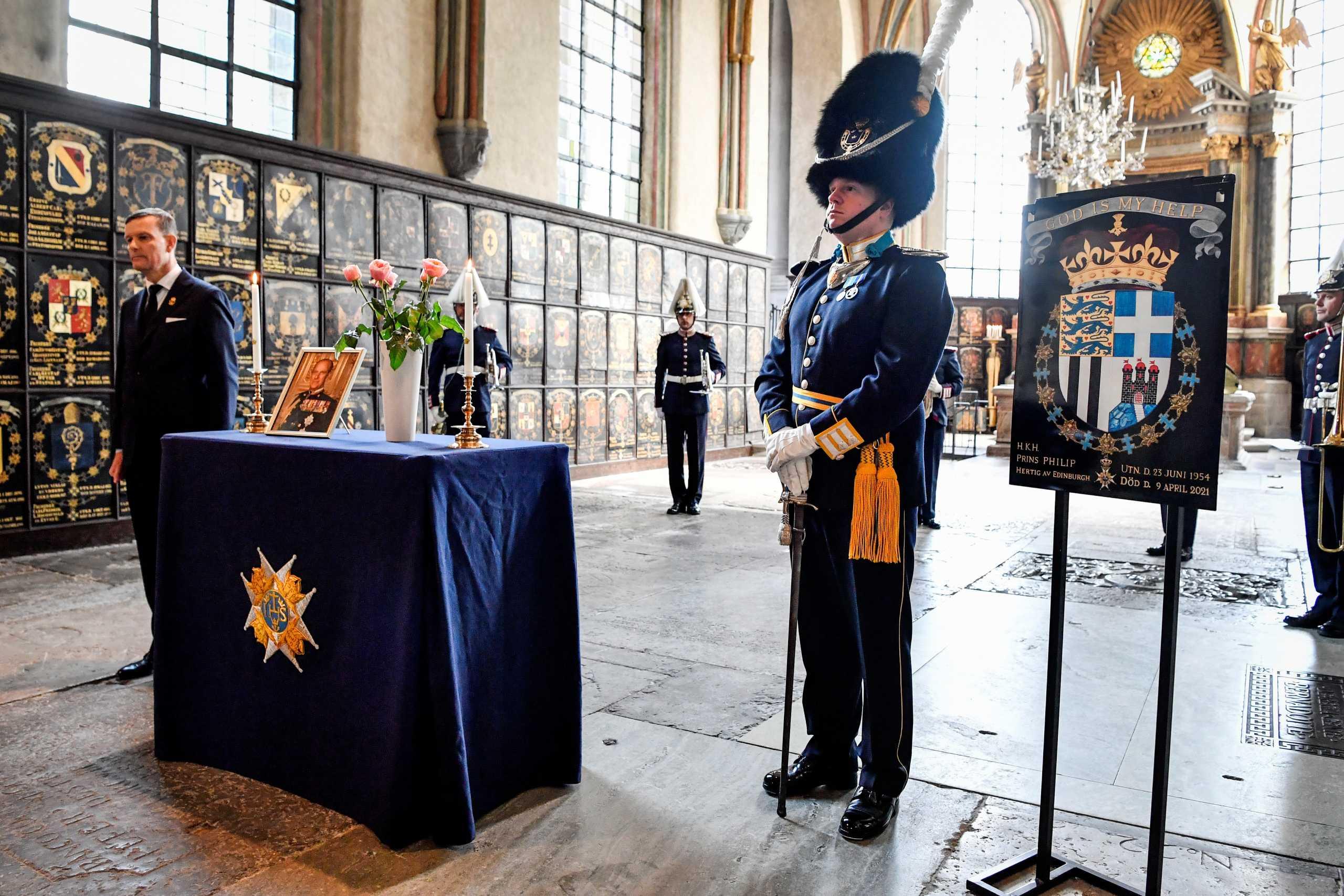 Πρίγκιπας Φίλιππος: Οι τελευταίες ετοιμασίες για την κηδεία μέσα στο παρεκκλήσι του Αγίου Γεωργίου (pics)