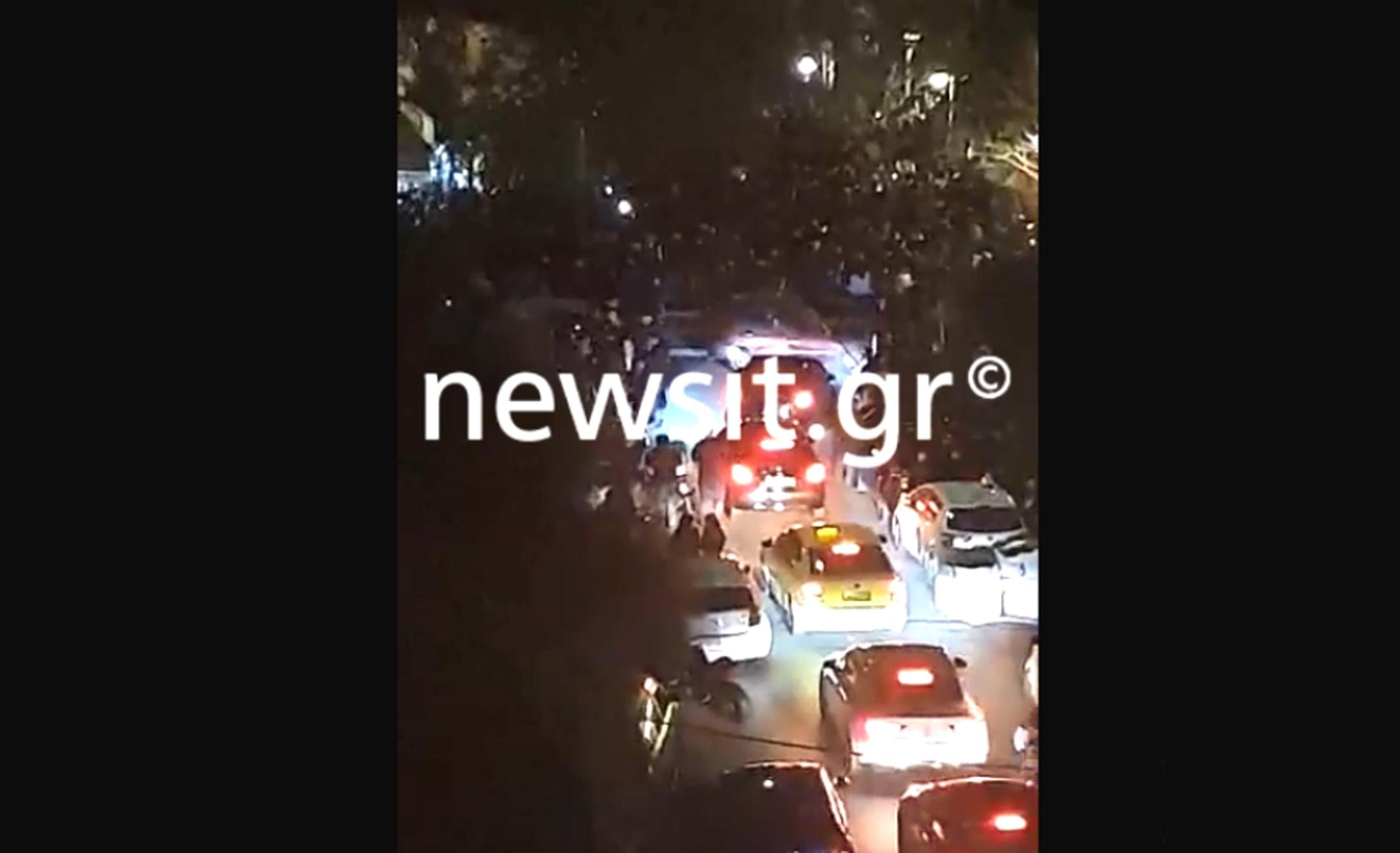 Ποιος κορονοϊός; Ατελείωτα πάρτι σε Πλατεία Βαρνάβα, Πάτρα και Θεσσαλονίκη
