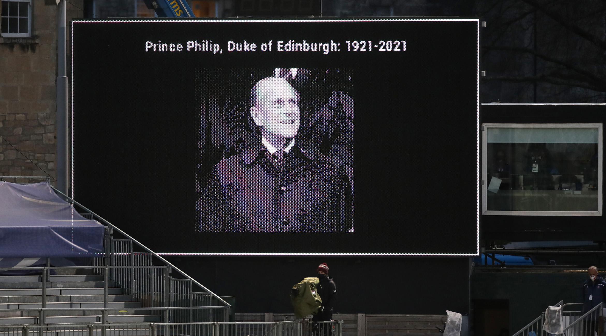Πρίγκιπας Φίλιππος: Όλες οι λεπτομέρειες για την κηδεία του – Η πομπή της τελετής και η ελληνική σημαία