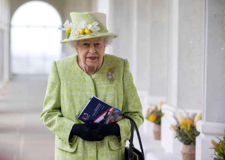 H βασίλισσα Ελισάβετ όπως δεν την έχετε ξαναδεί – Σπάνιες φωτογραφίες (vid)
