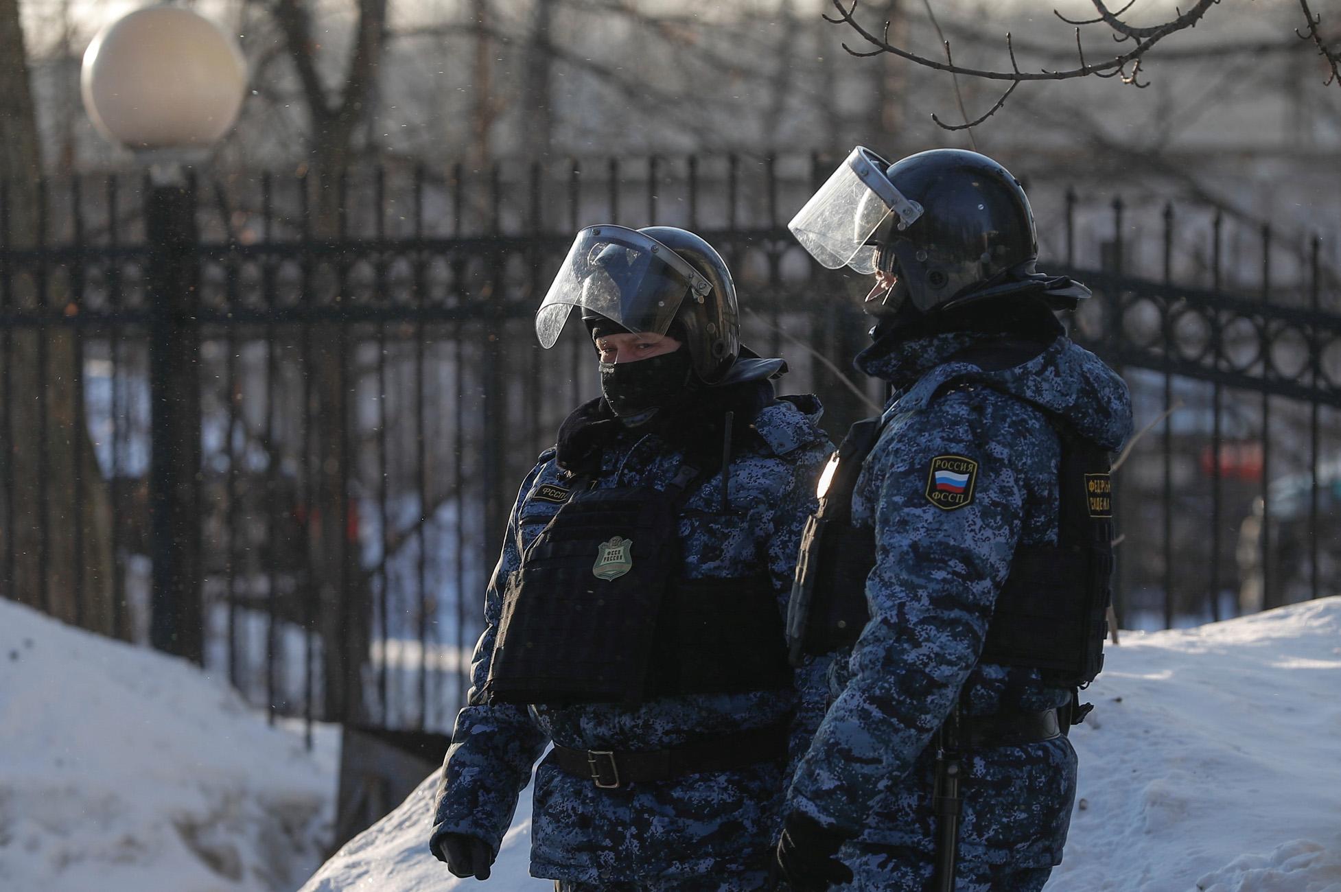 «Ντου» της ρωσικής αστυνομίας σε σπίτια δημοσιογράφων