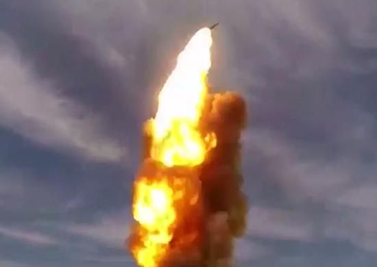 Ρωσία: Κάνει επίδειξη δύναμης με την εκτόξευση νέου αντιβαλλιστικού πυραύλου! [pics]