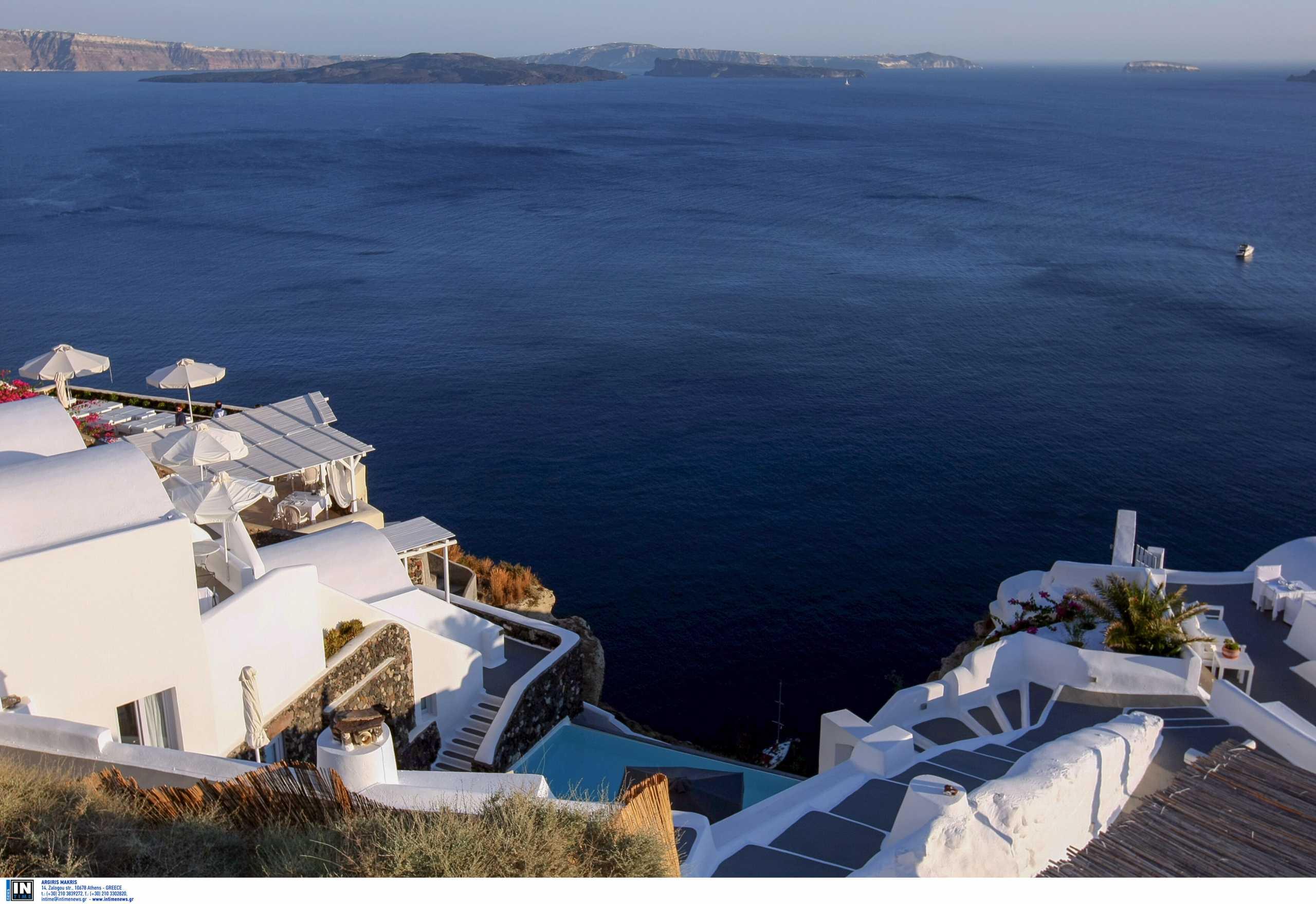 La Repubblica: Η Ελλάδα εμβολιάζει τους κατοίκους των νησιών με λιγότερους από 5.000 κατοίκους μέχρι τέλη Απριλίου