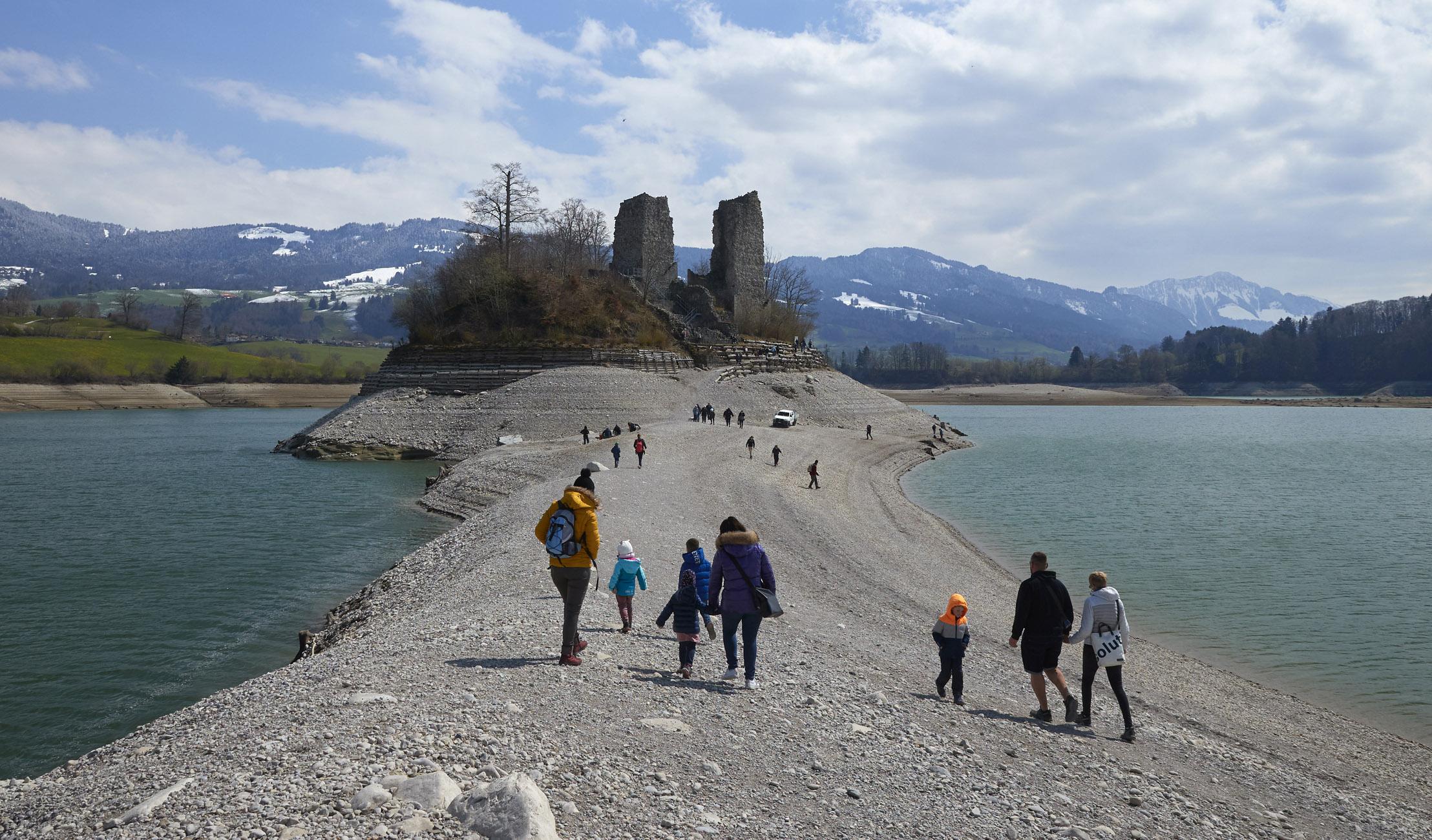 Ελβετία – κορονοϊός: Χαλαρώνει τα μέτρα παρά την αύξηση των κρουσμάτων